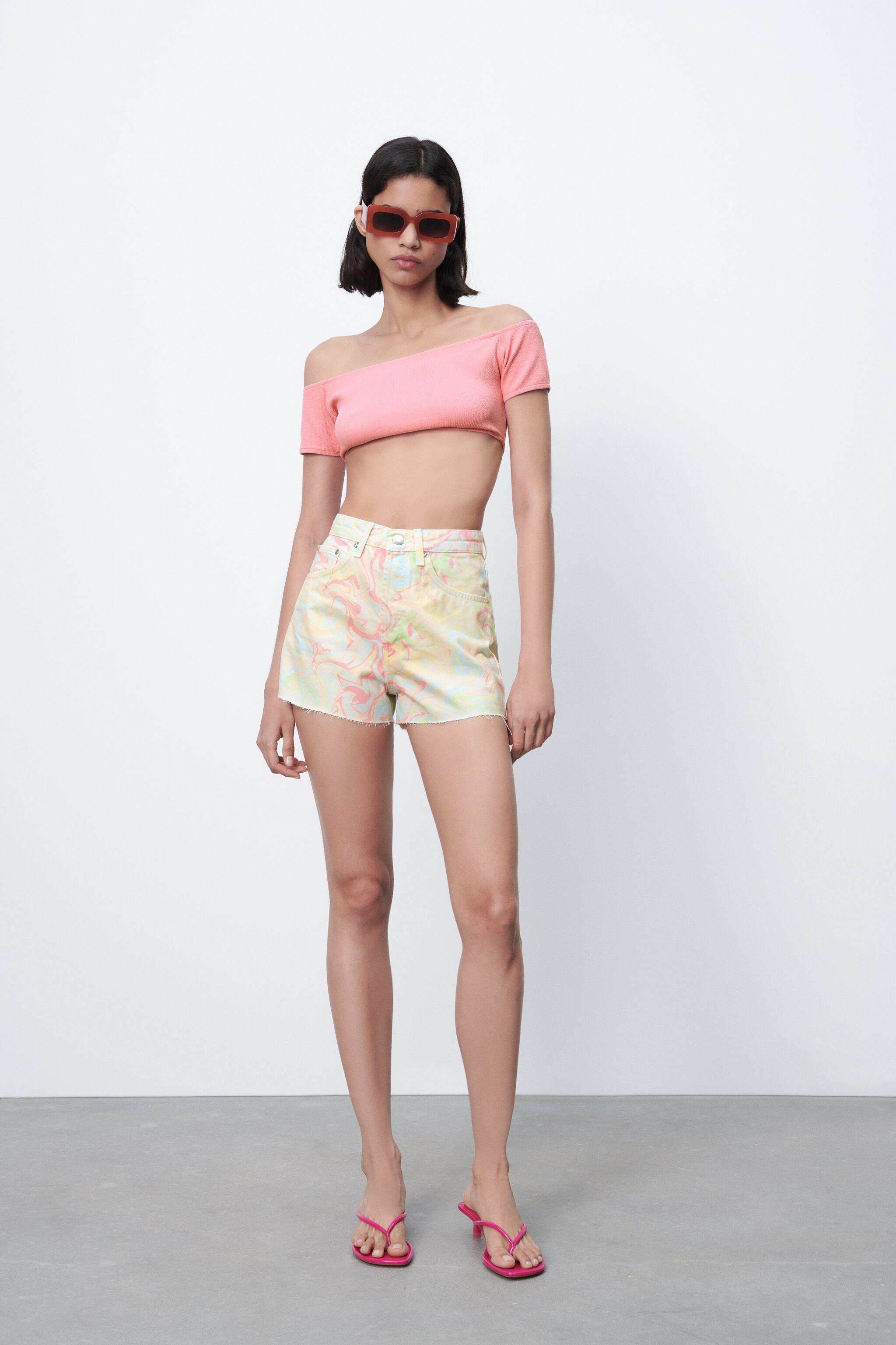 PRINTED STRAIGHT FIT SHORTS