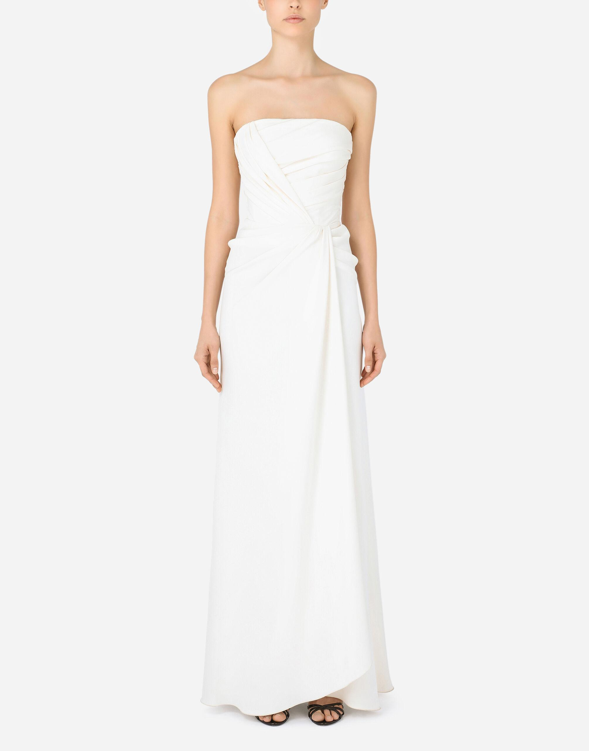 Long sable dress with side slit