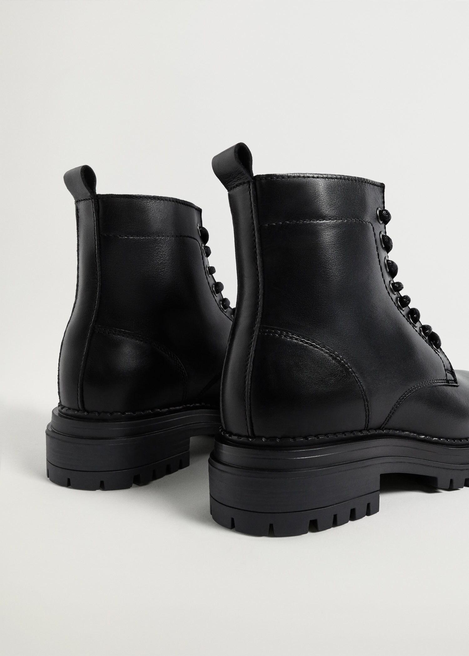 Lace-up leather boots 2