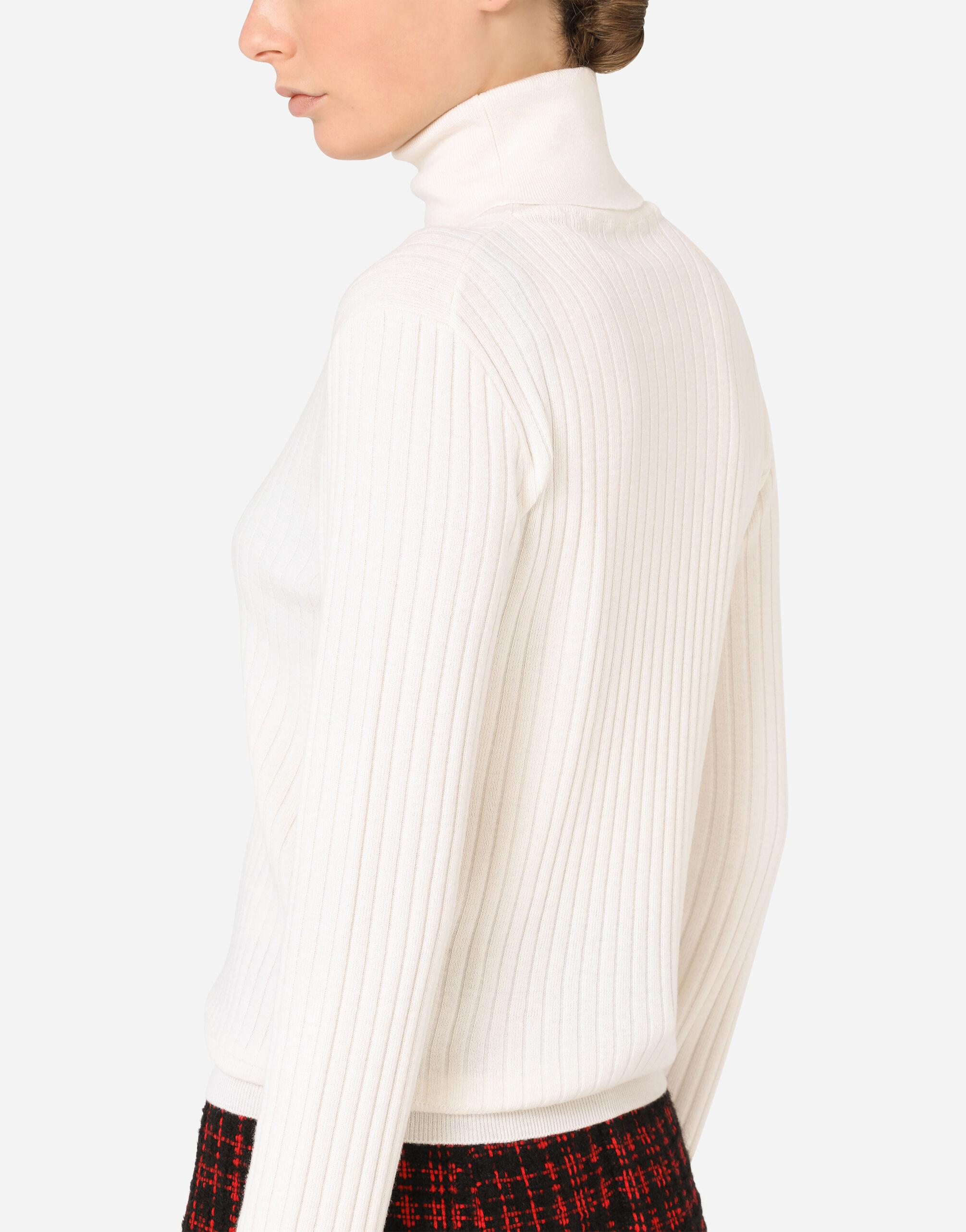 Wool turtle-neck sweater with tweed cuffs 2