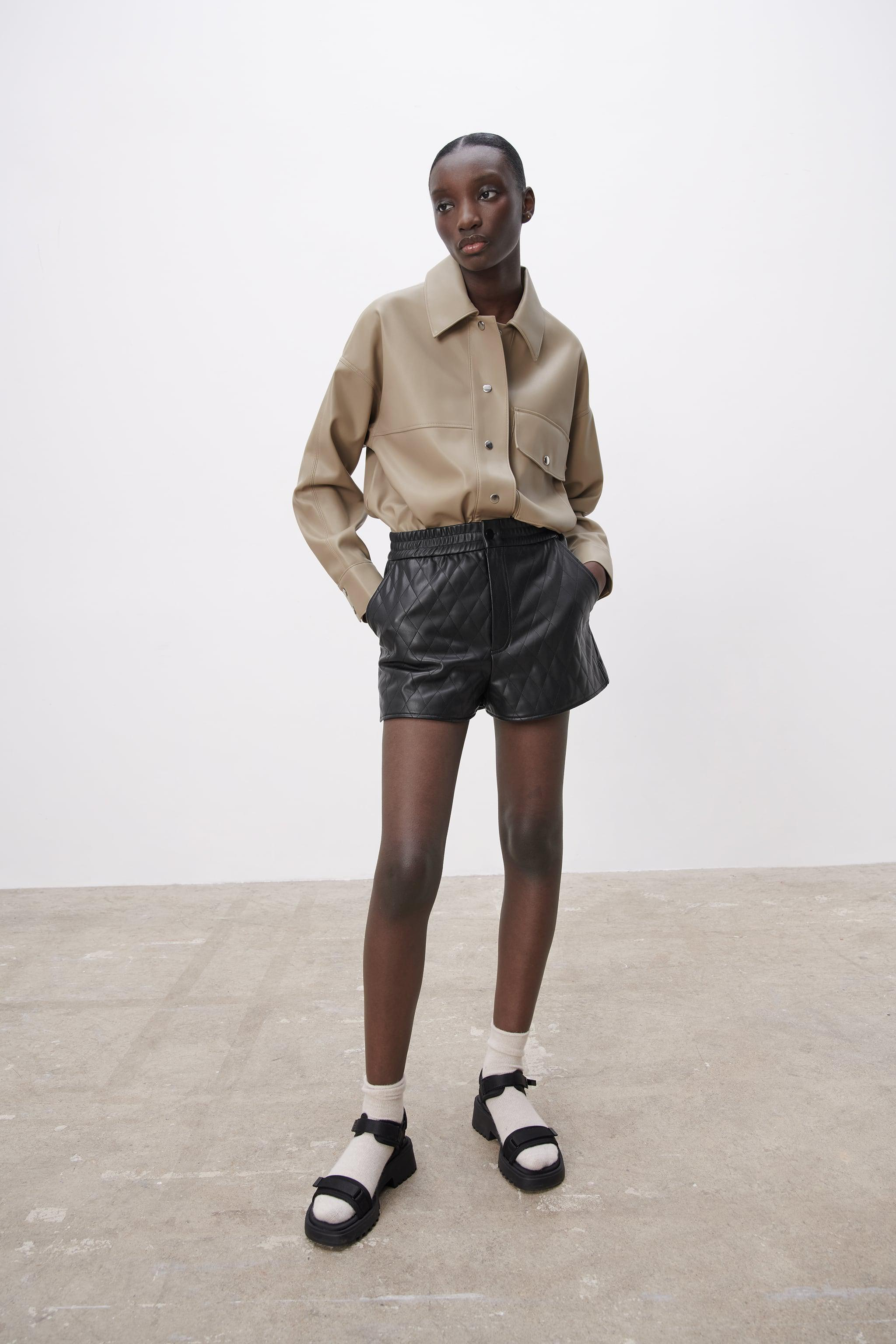 FAUX LEATHER QUILTED SHORTS