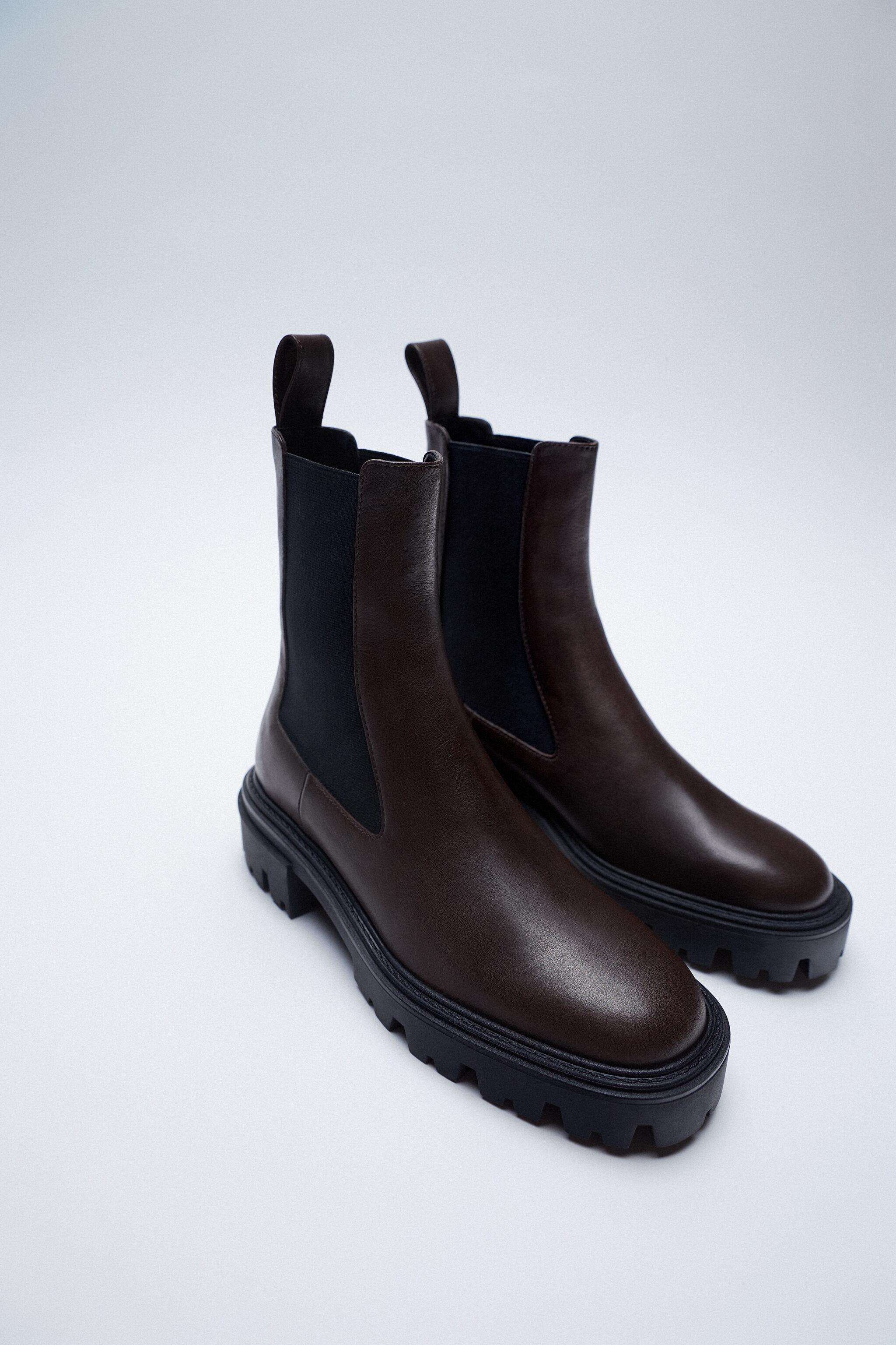 LOW HEEL LEATHER ANKLE BOOTS WITH ELASTIC GORING 1
