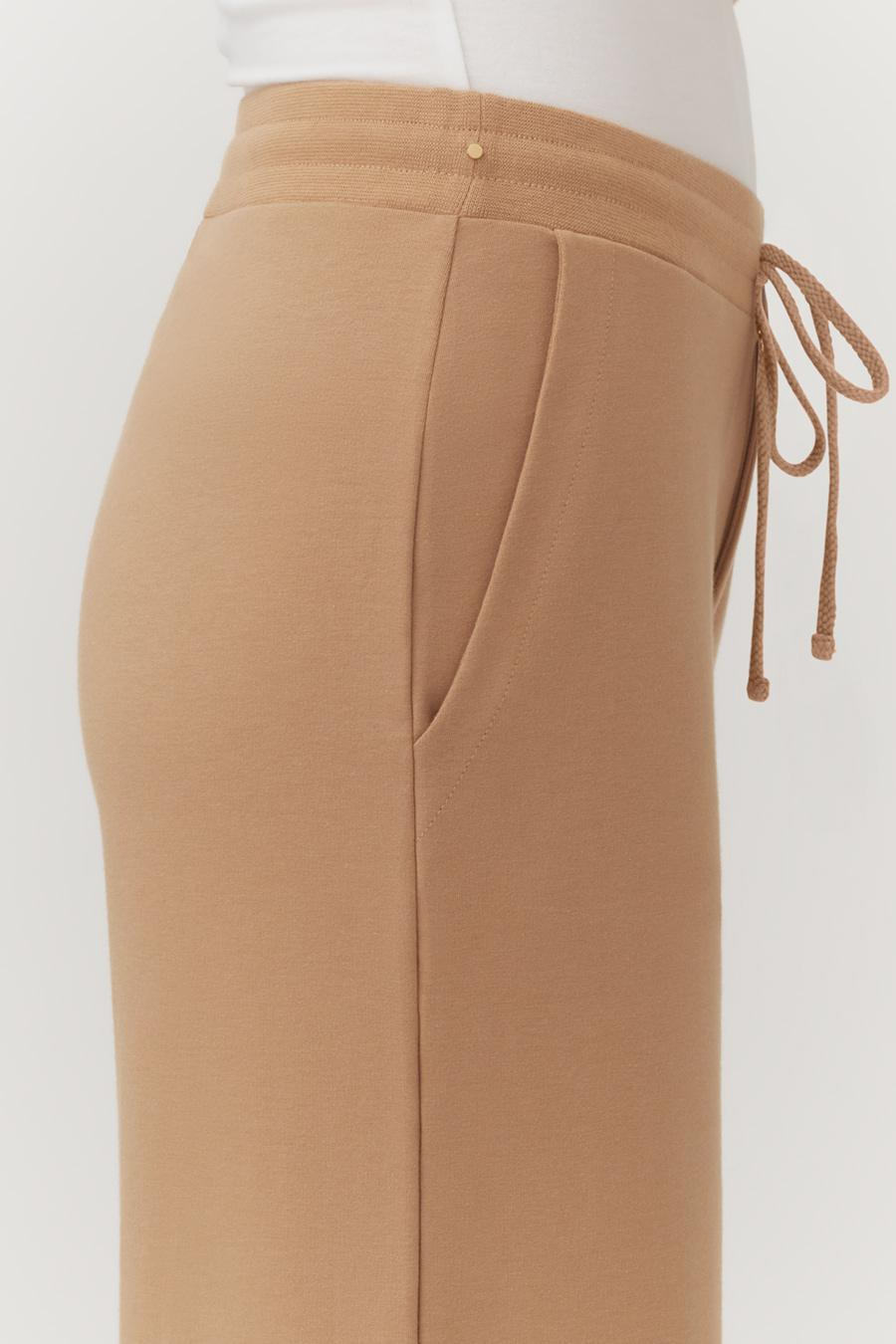 Women's French Terry Wide-Leg Cropped Pant in Camel | Size: 3