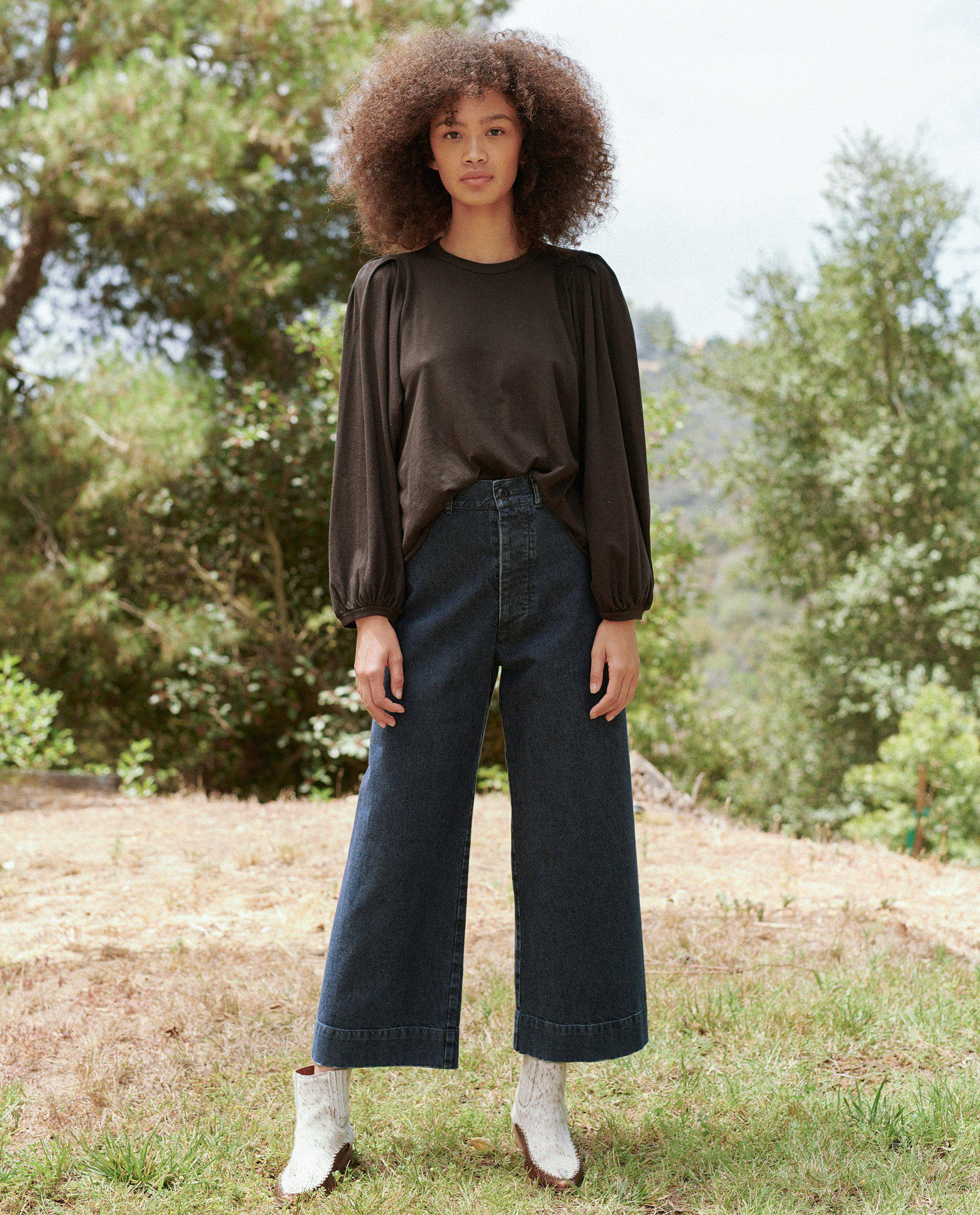 The Cropped Pleat Sleeve Tee. -- ALMOST BLACK