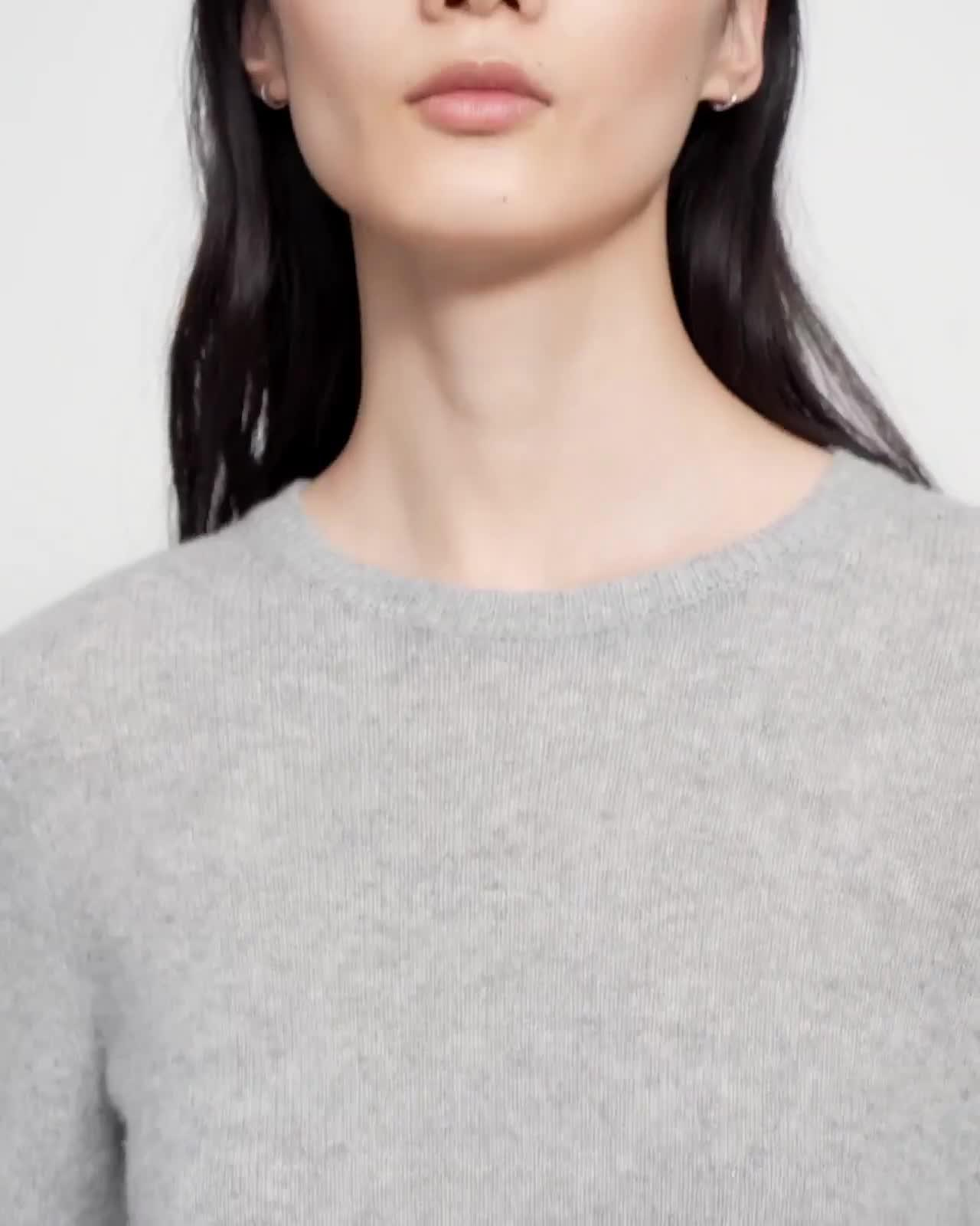 Crewneck Sweater in Feather Cashmere 4