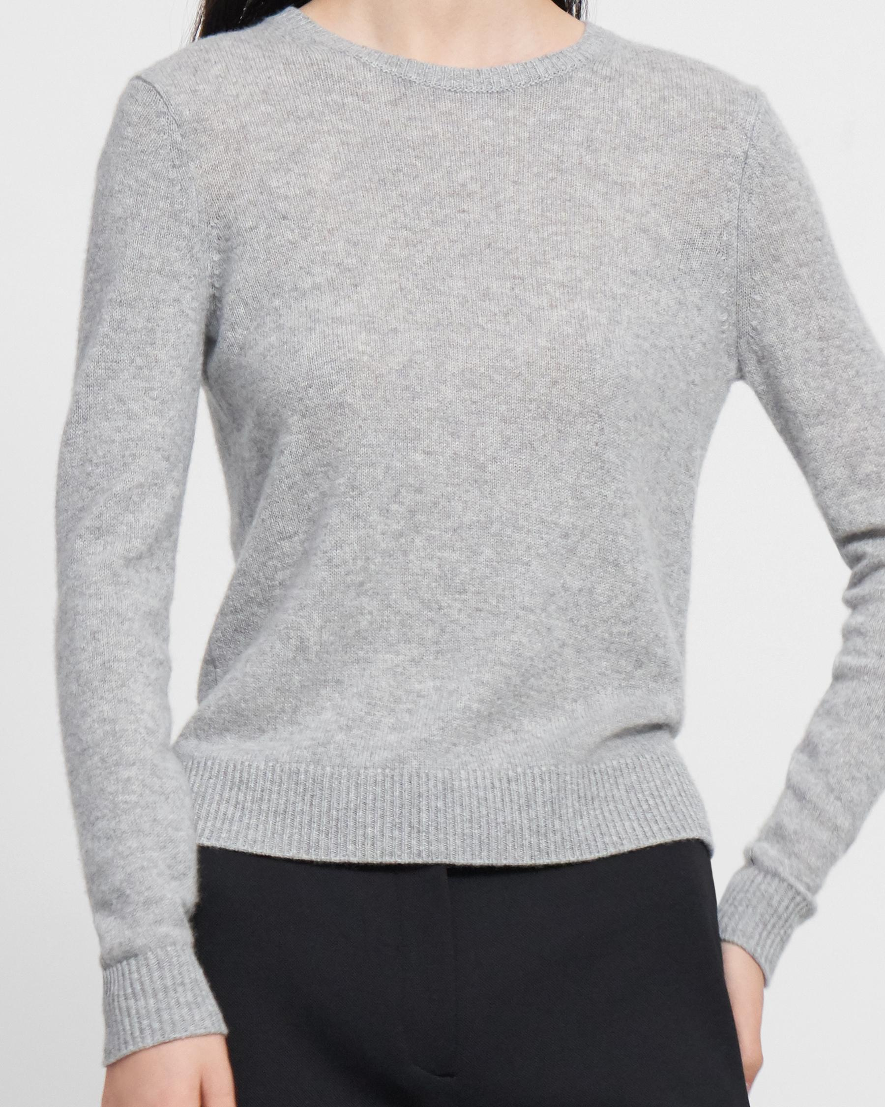 Crewneck Sweater in Feather Cashmere 2