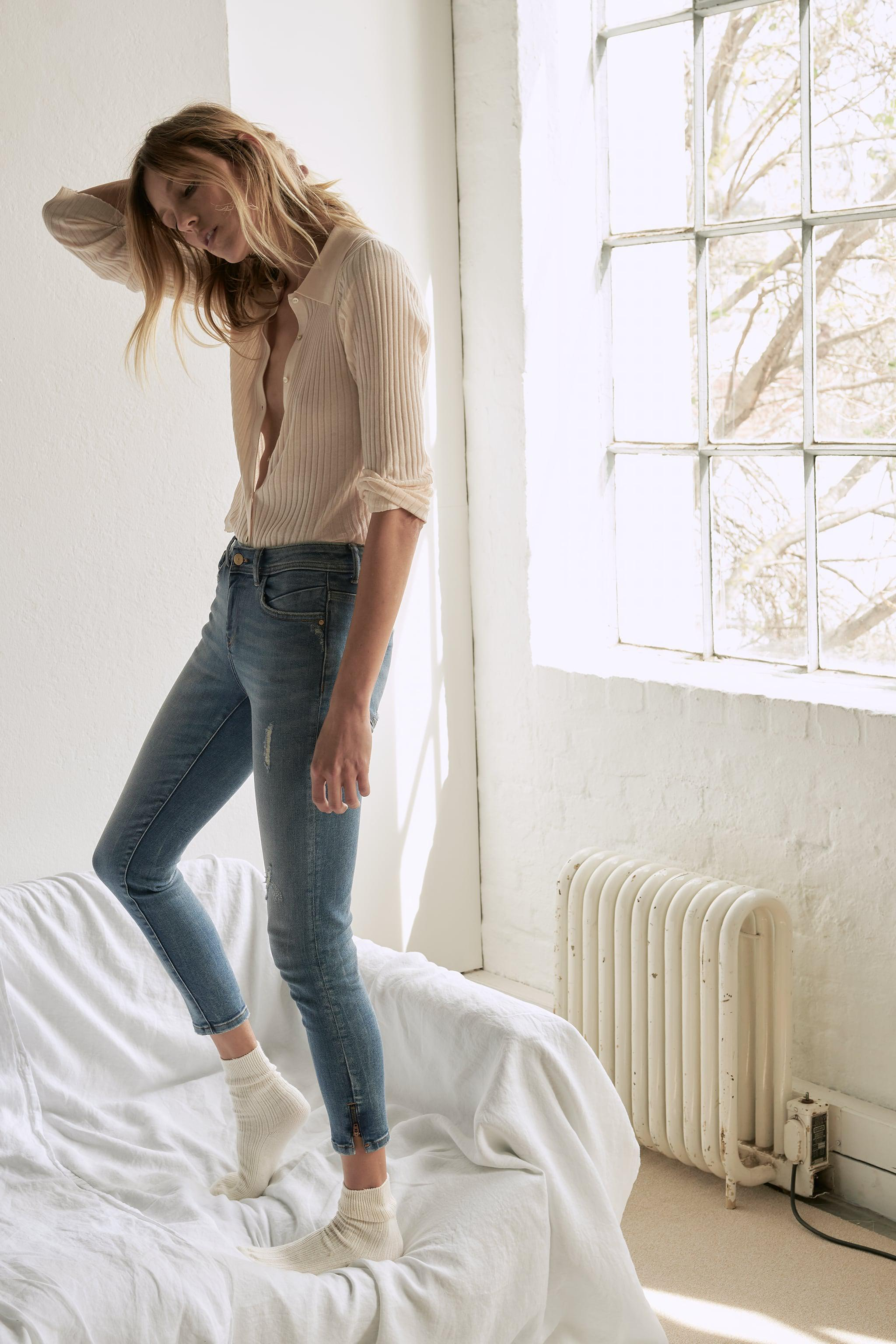 Z1975 MID RISE ZIPPERED SKINNY JEANS