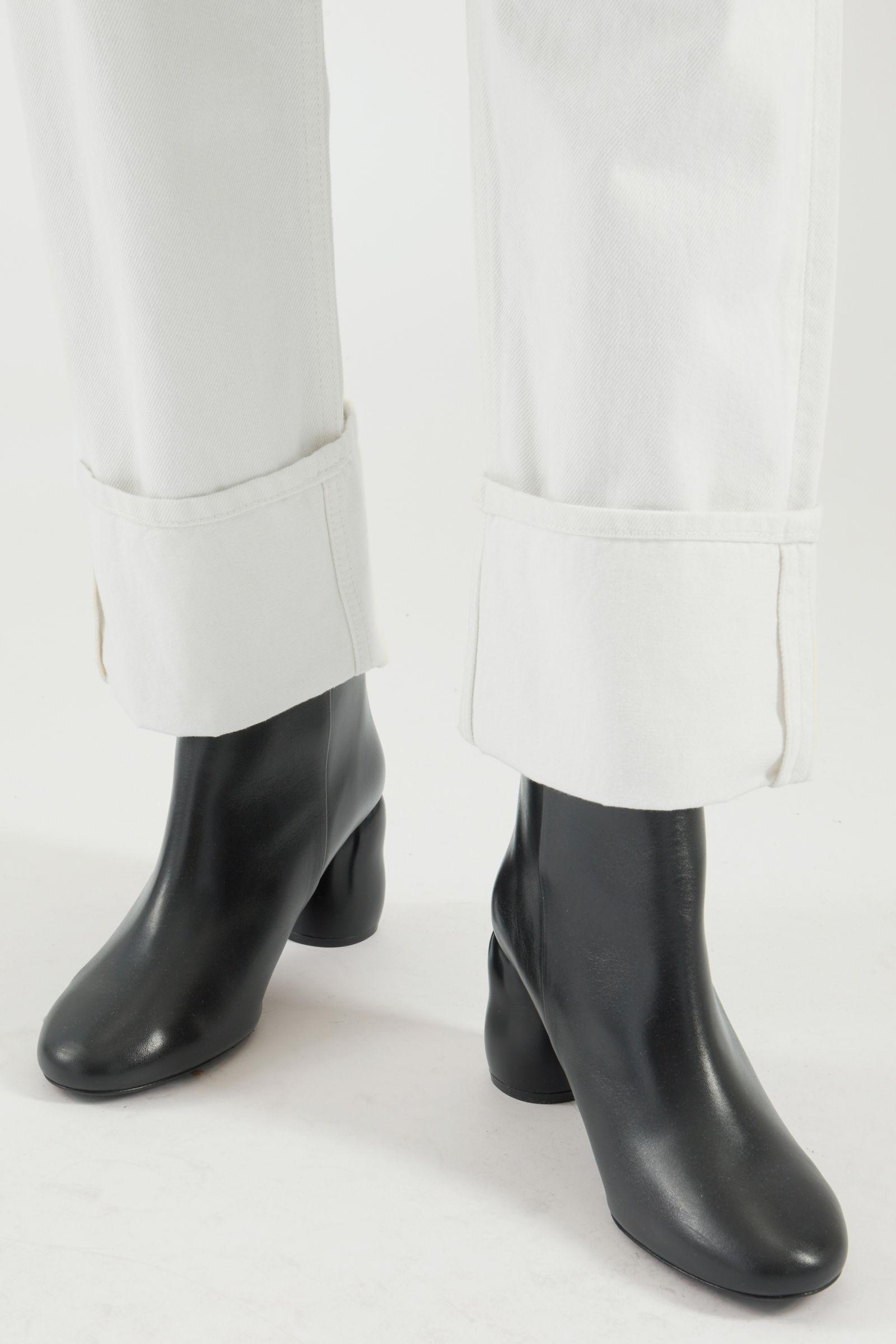 HEELED LEATHER ANKLE BOOTS 4