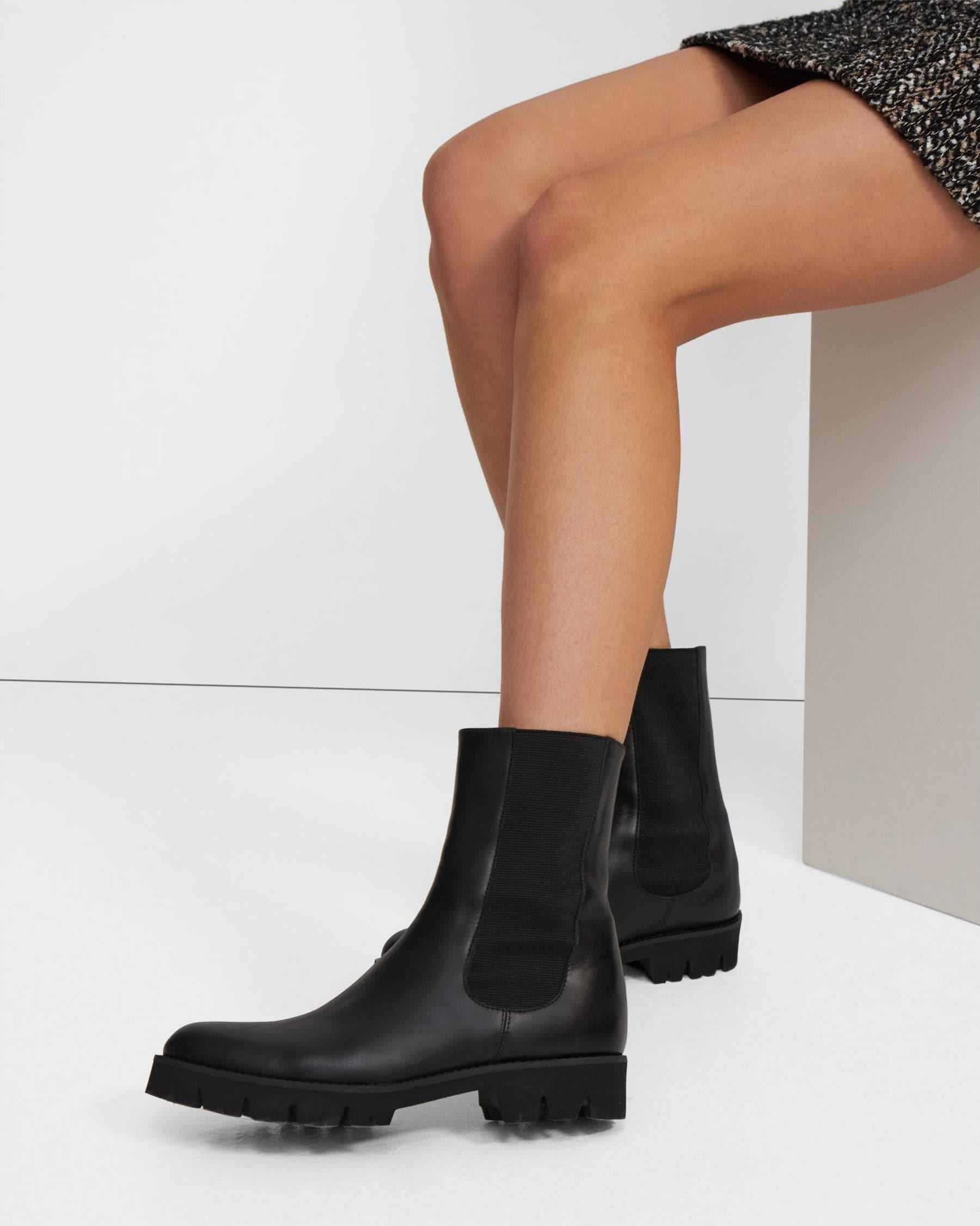 Chelsea Boot in Glossed Leather