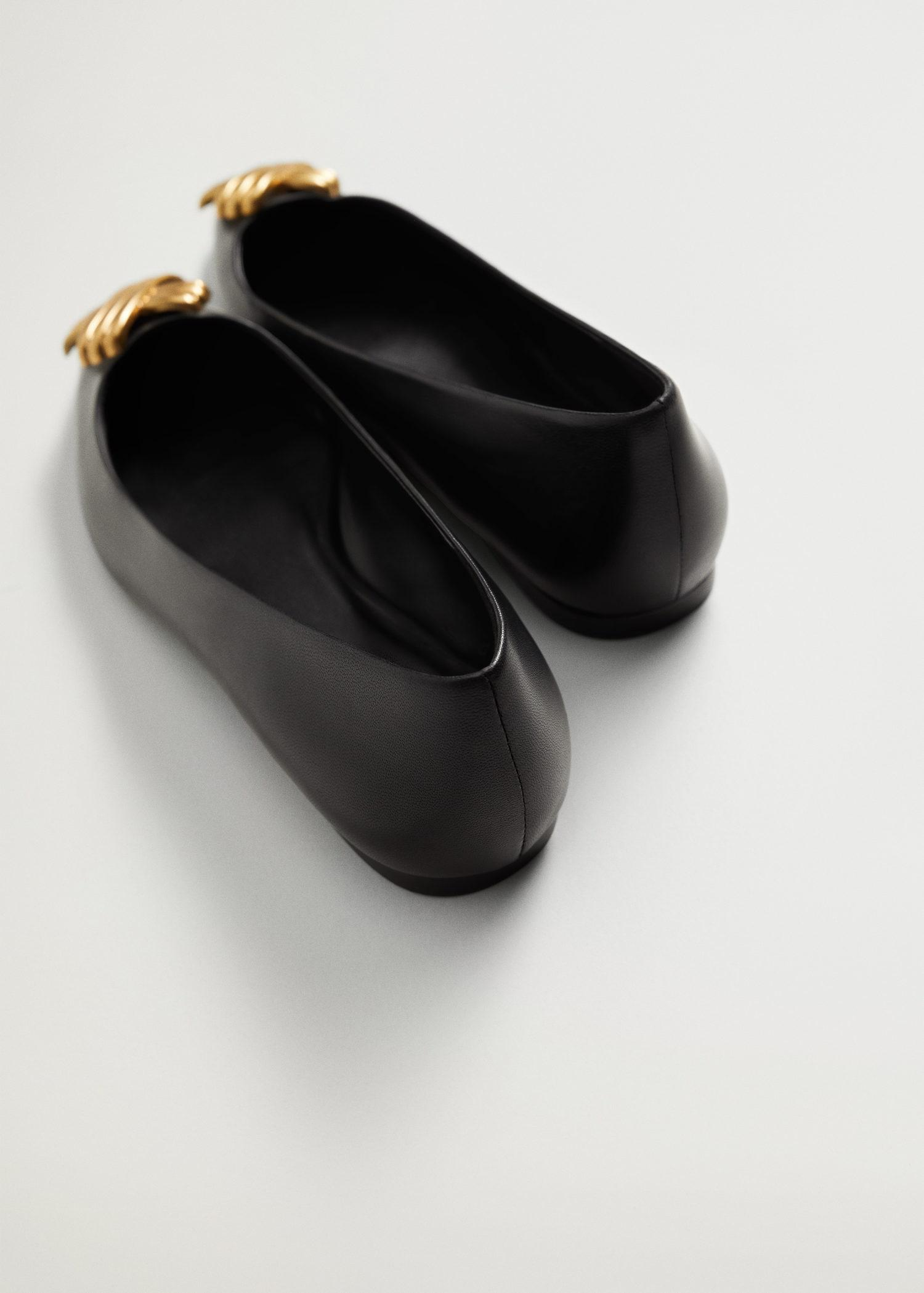 Pointed toe flat shoes 2