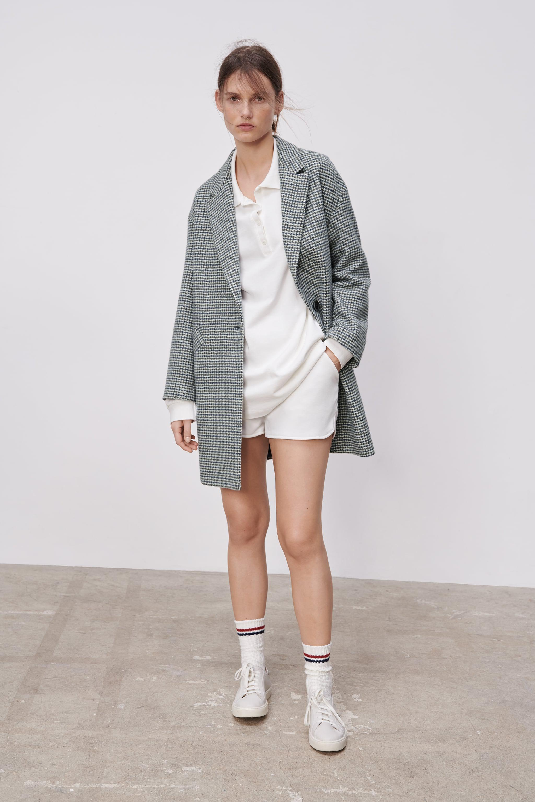 BUTTONED HOUNDSTOOTH COAT