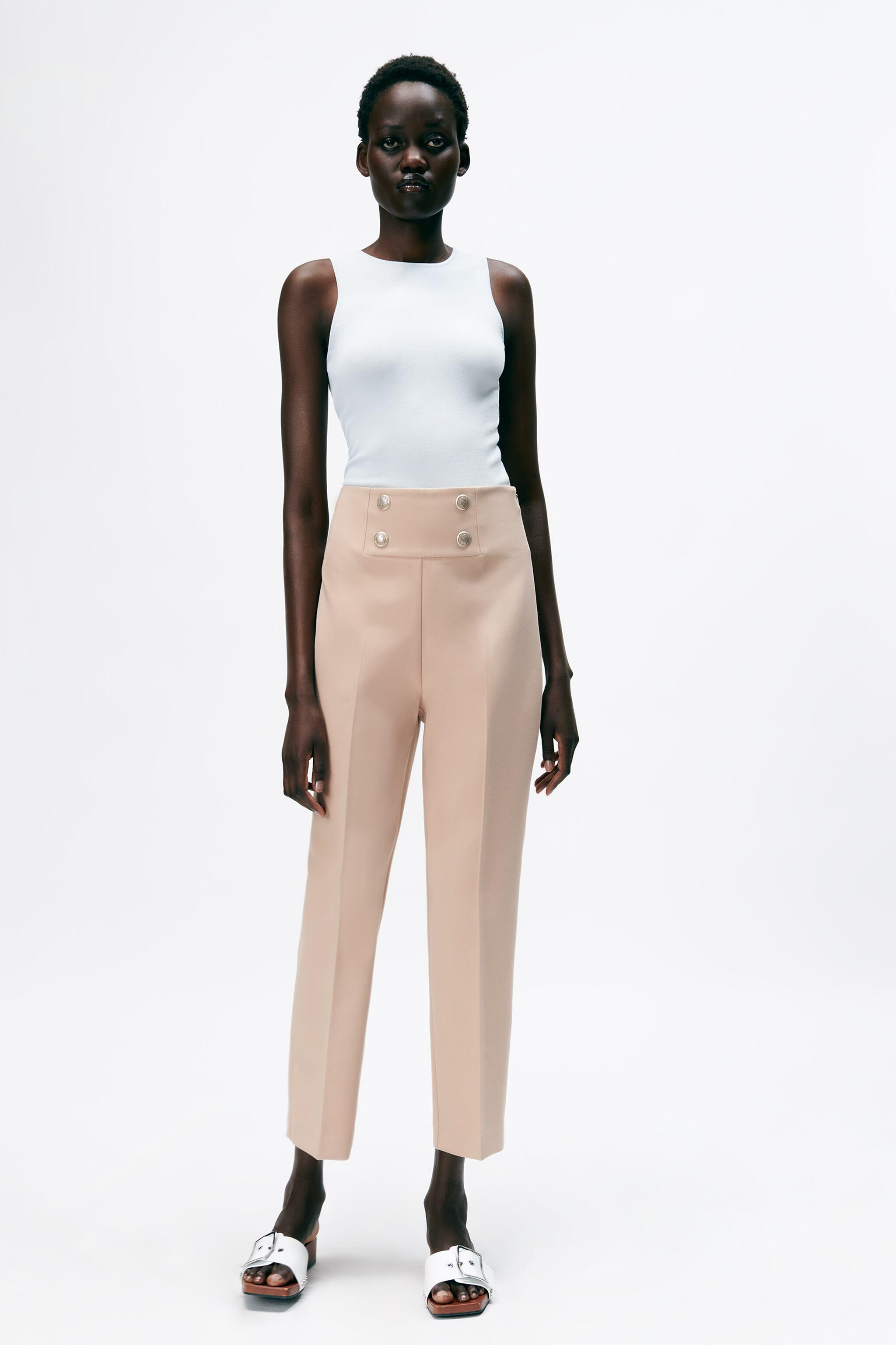 BUTTONED PANTS WITH BELT