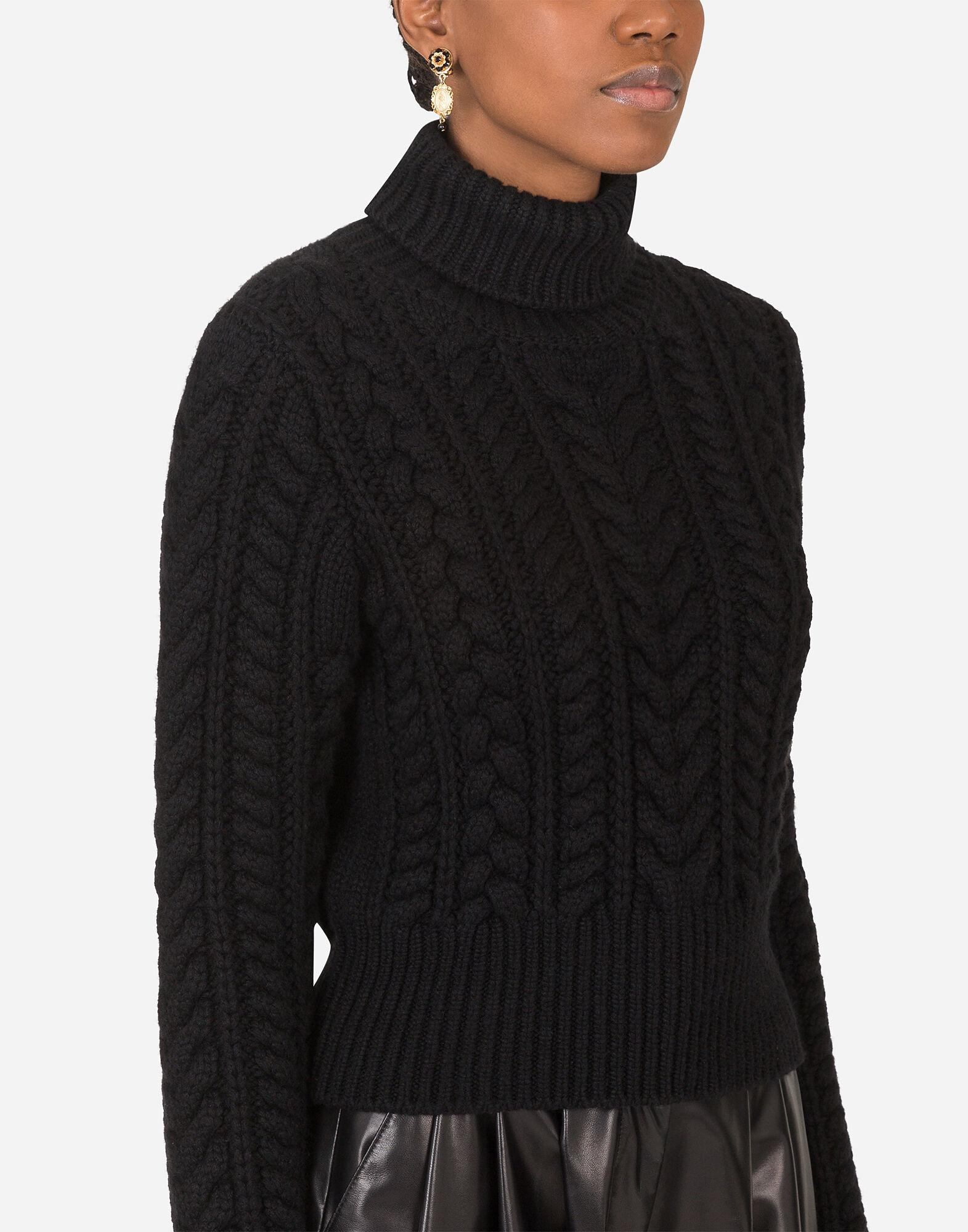 Cable-knit cashmere turtle-neck sweater 2