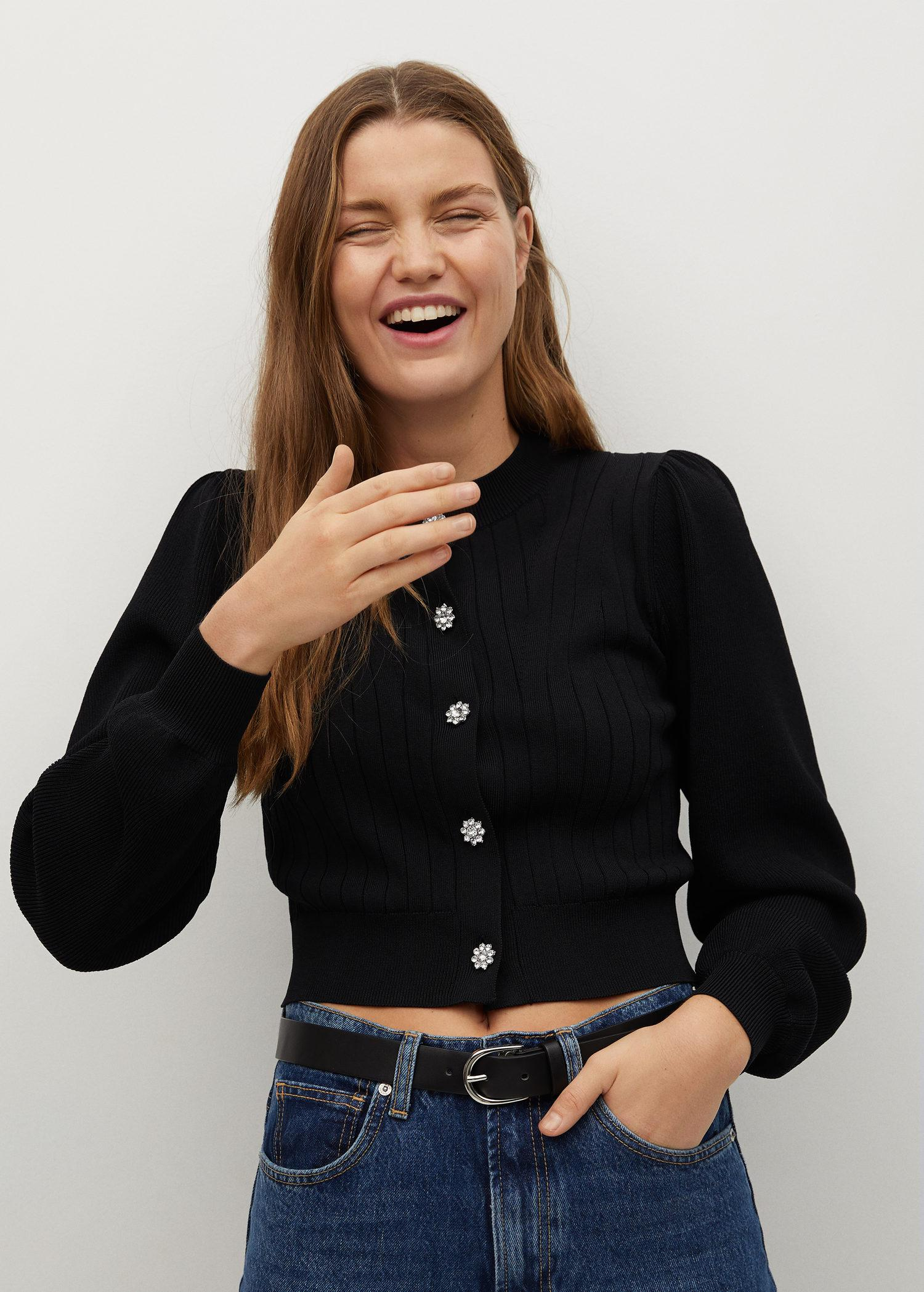 Knitted cardigan with jewel button