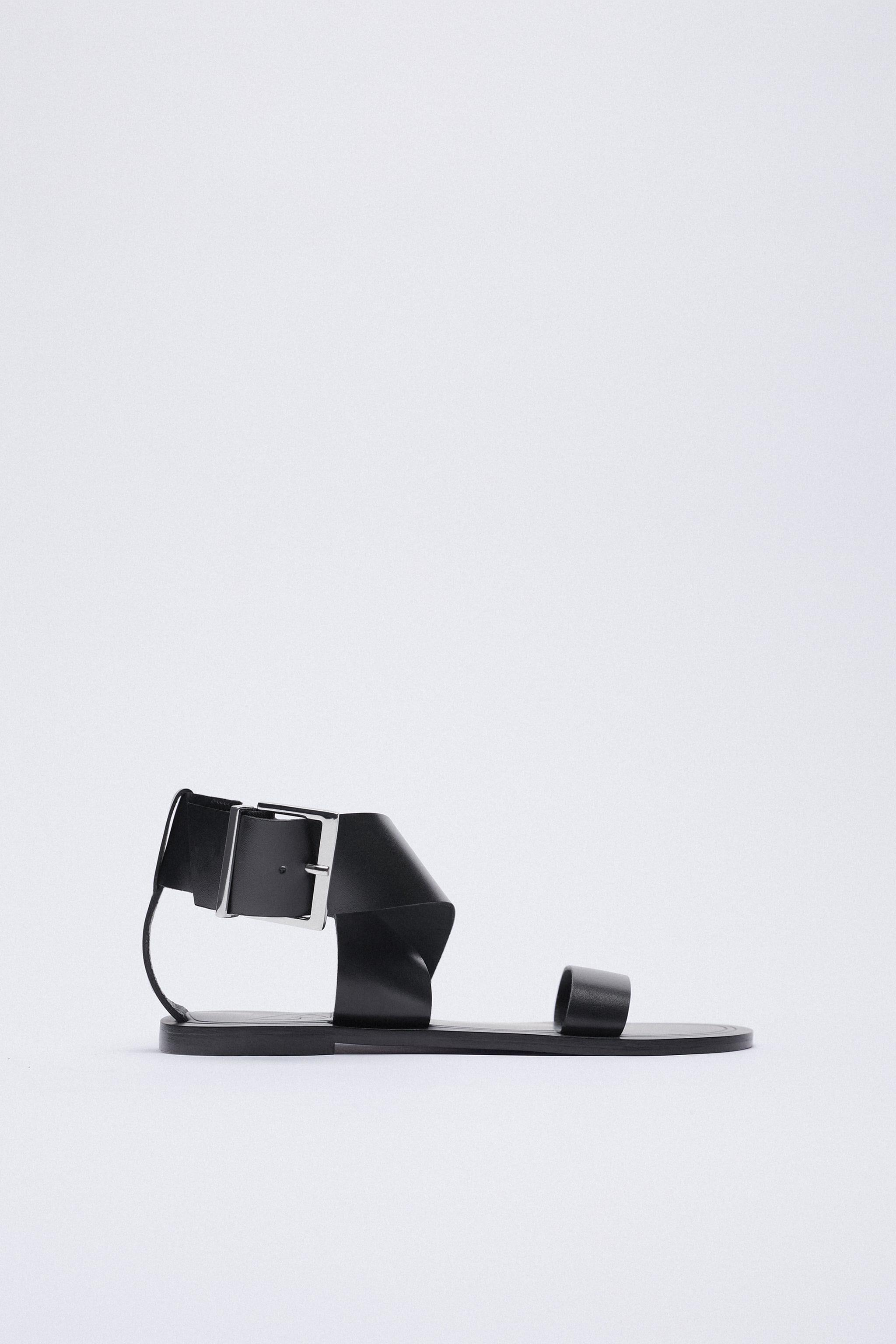 MAXI BUCKLE FLAT LEATHER SANDALS