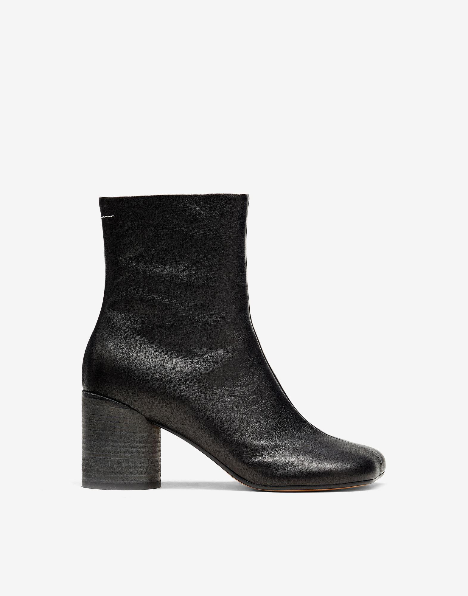 Anatomic ankle boots