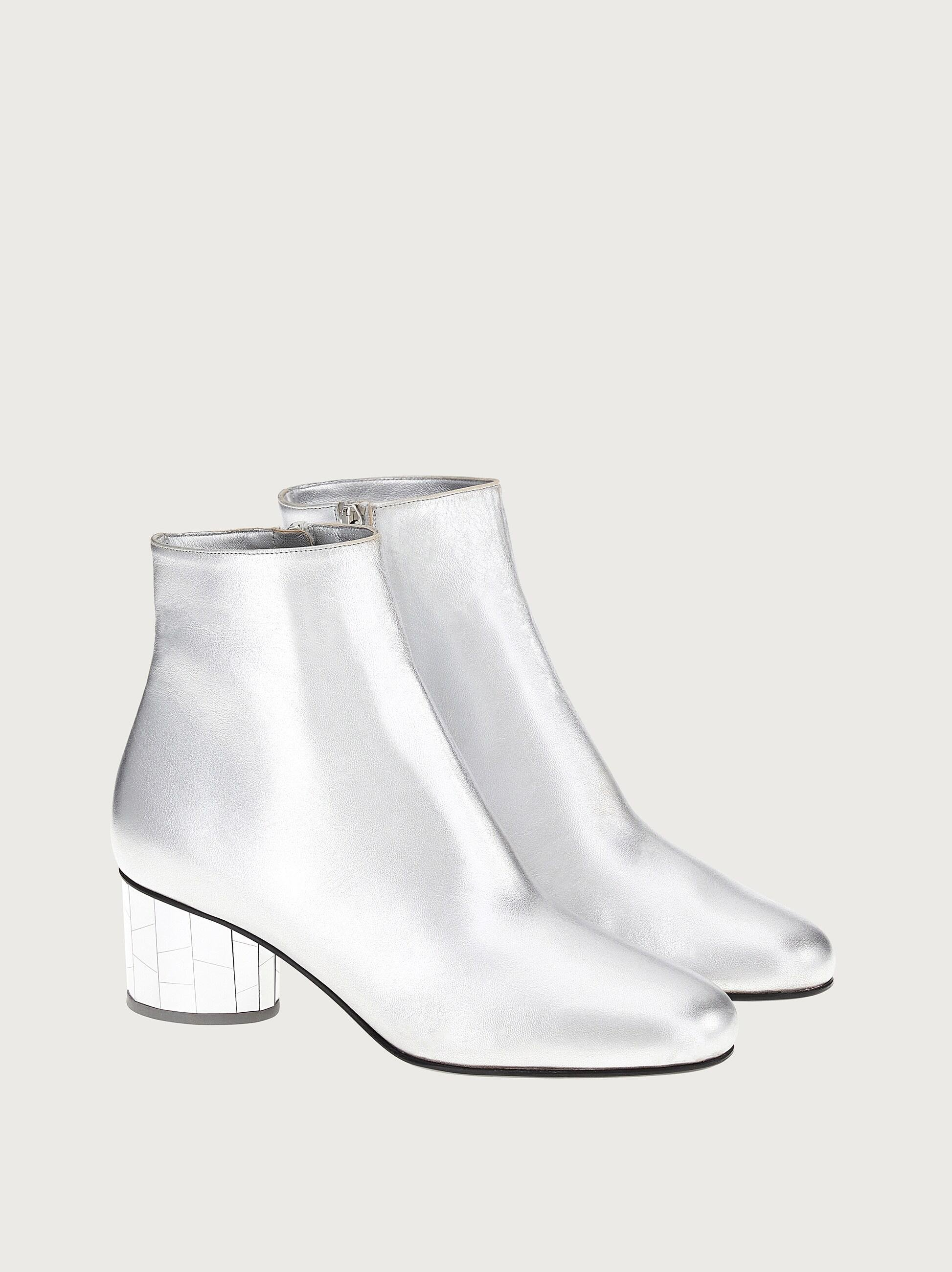 MIRRORED HEEL ANKLE BOOT 1