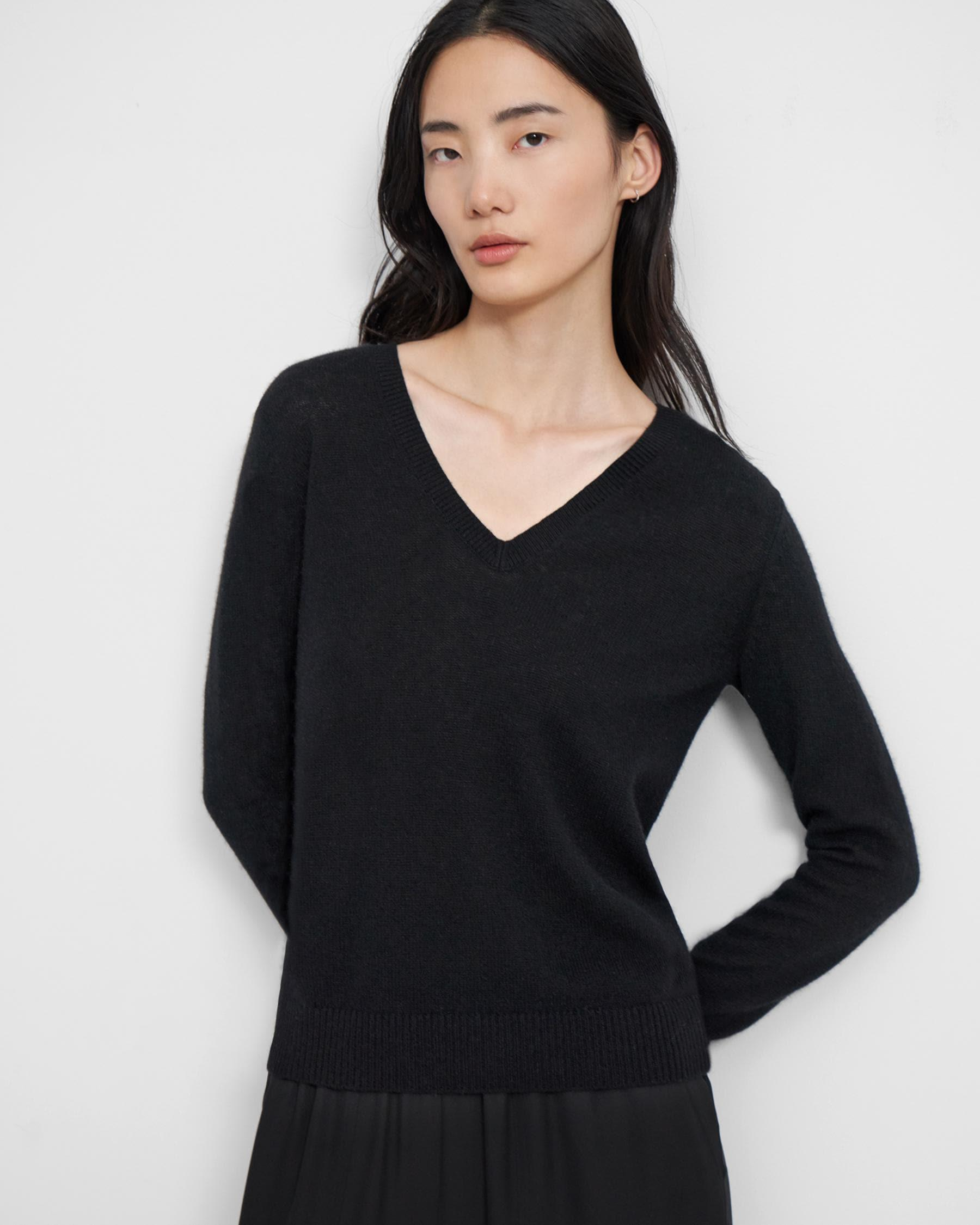V-Neck Sweater in Feather Cashmere 3