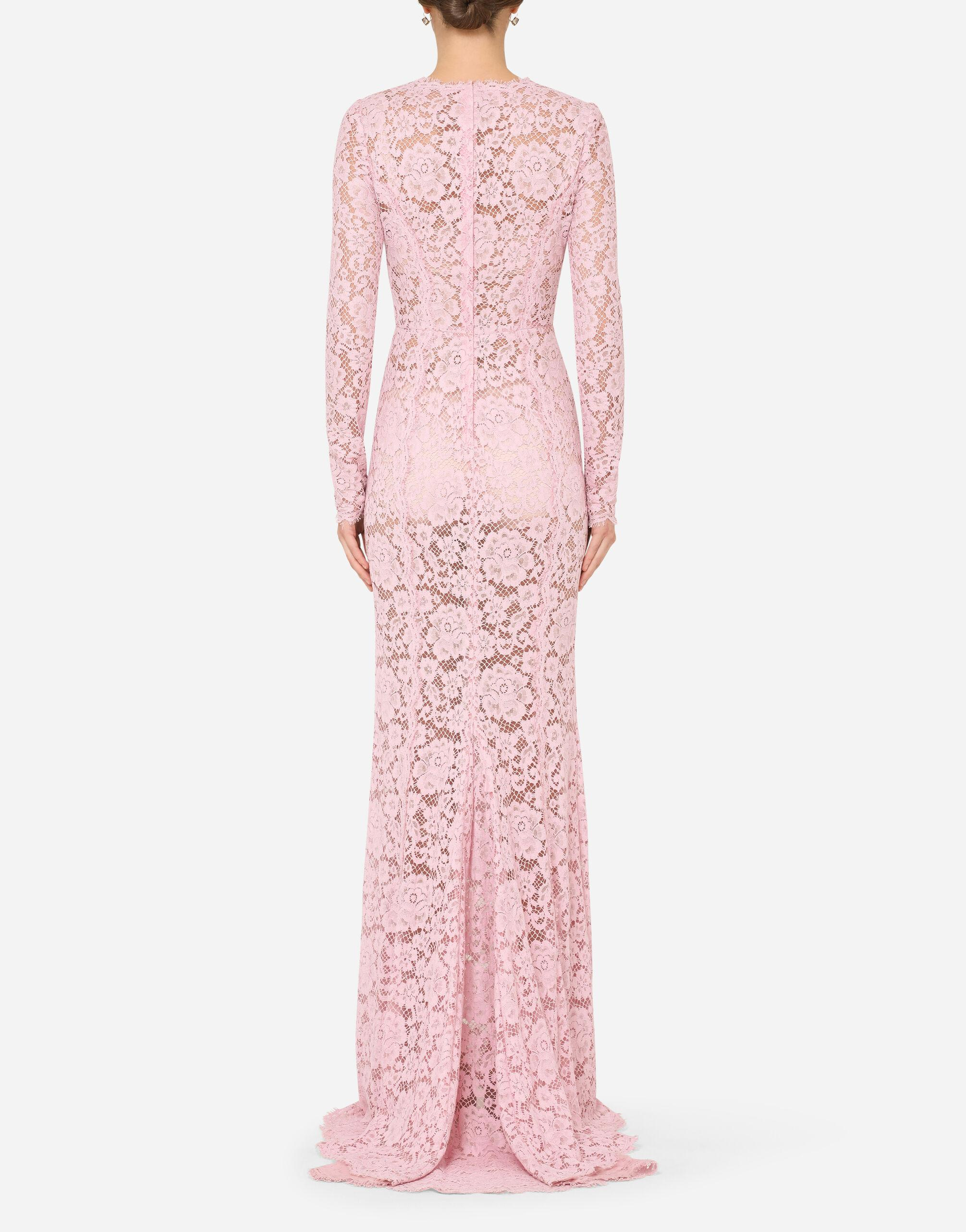 Long lace dress with train 1