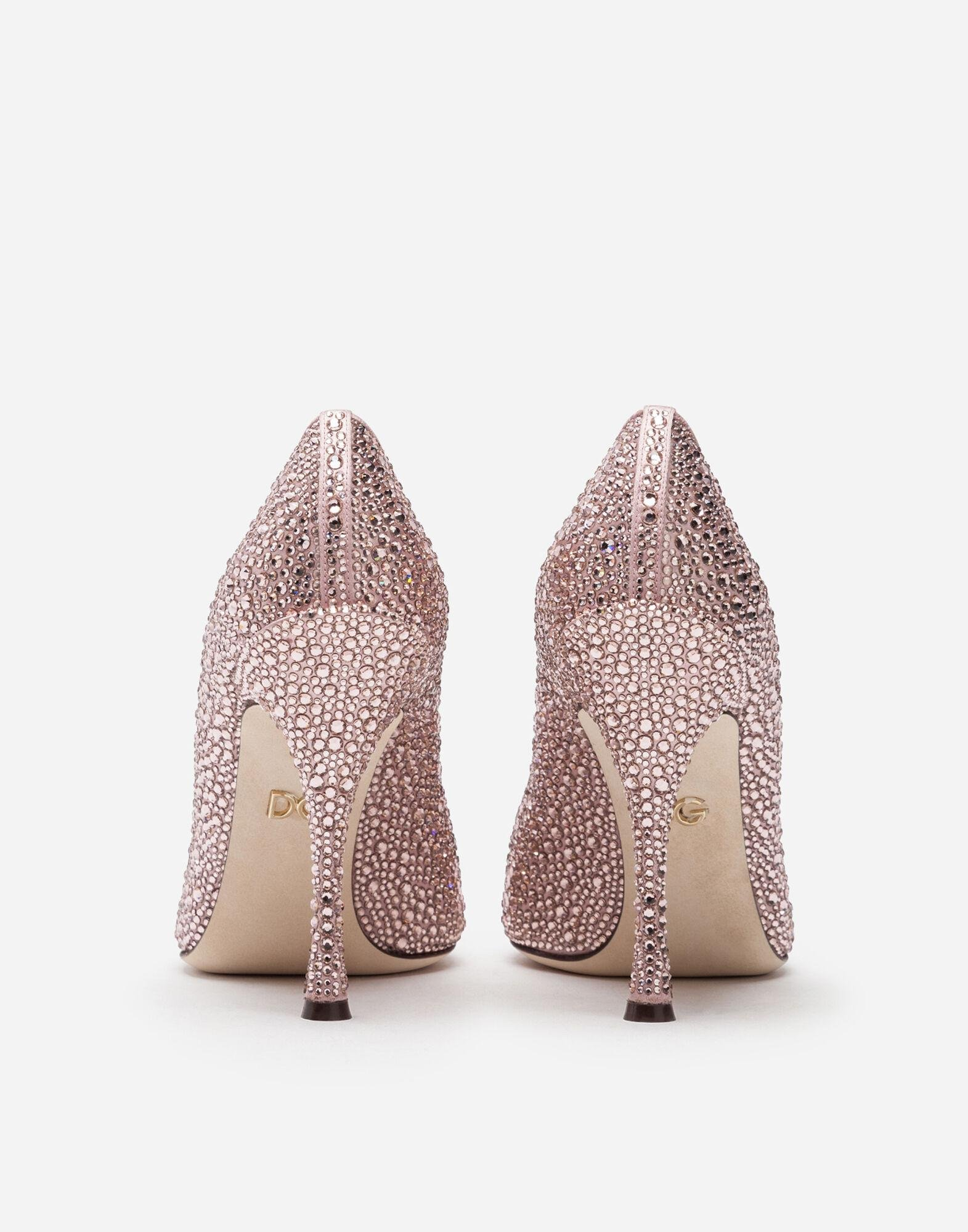 Pumps in satin and crystal 2