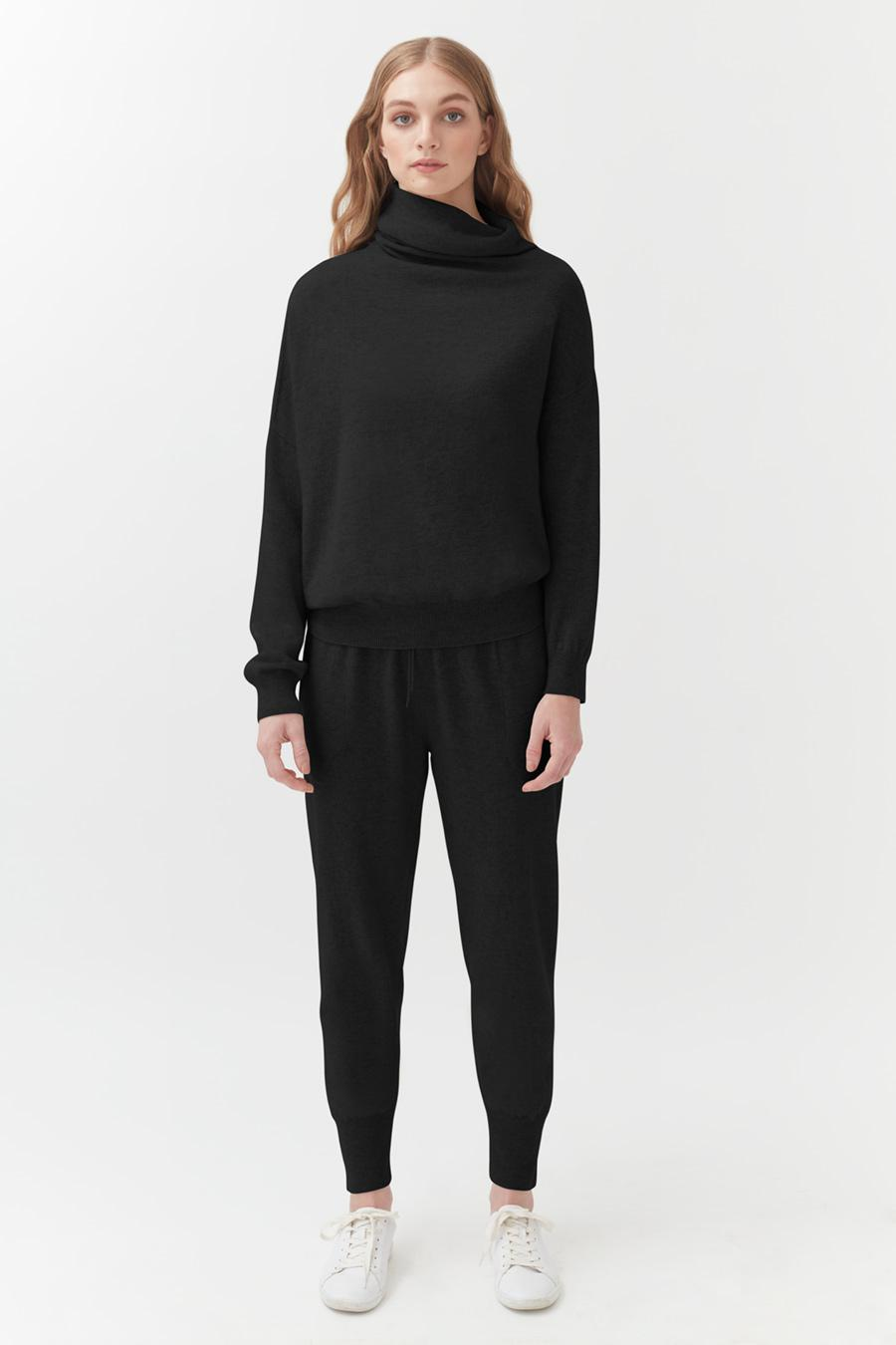 Women's Tapered Pant in Black   Size: XS   Cashmere by Cuyana 1