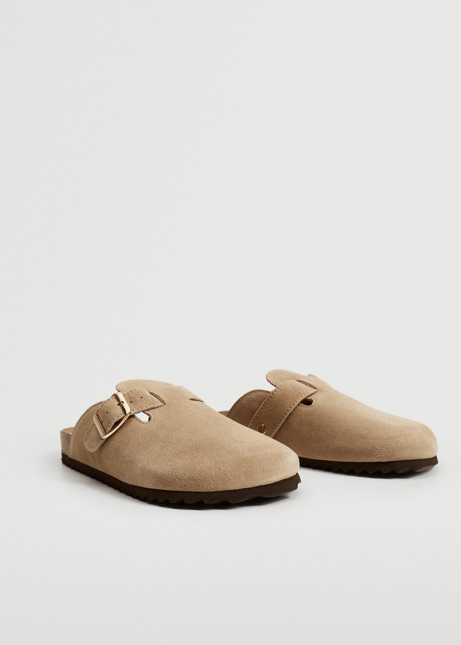 Pin leather clog 1