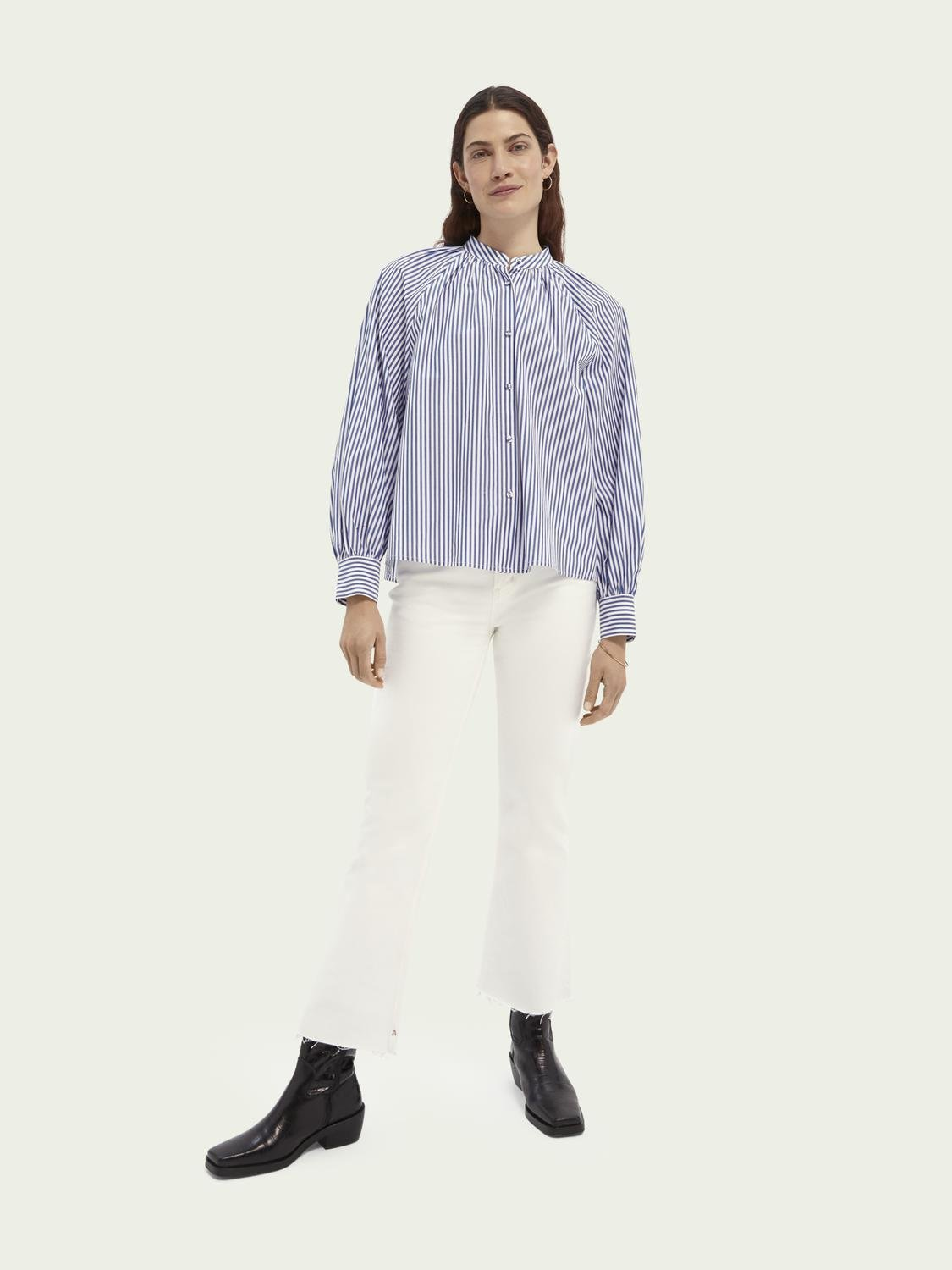 The Kick flared jeans — Summer White 1