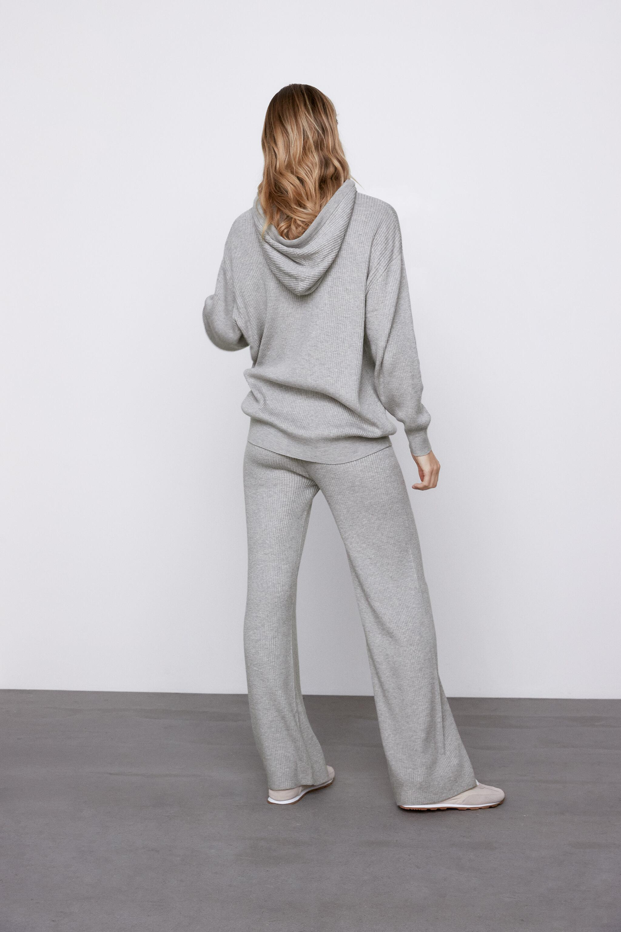 FLARED KNIT PANTS 3