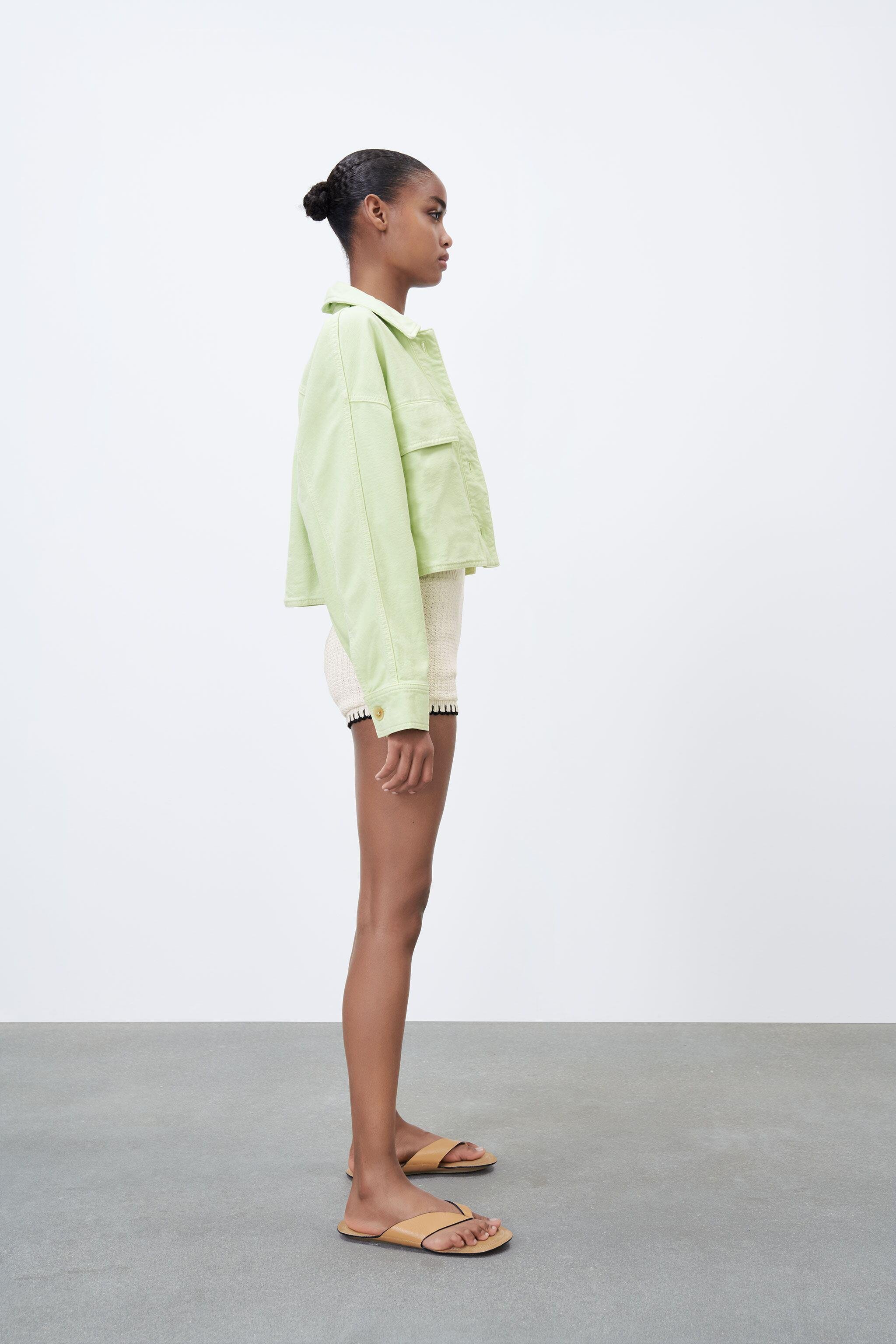 SOLID COLOR CROPPED OVERSHIRT 2