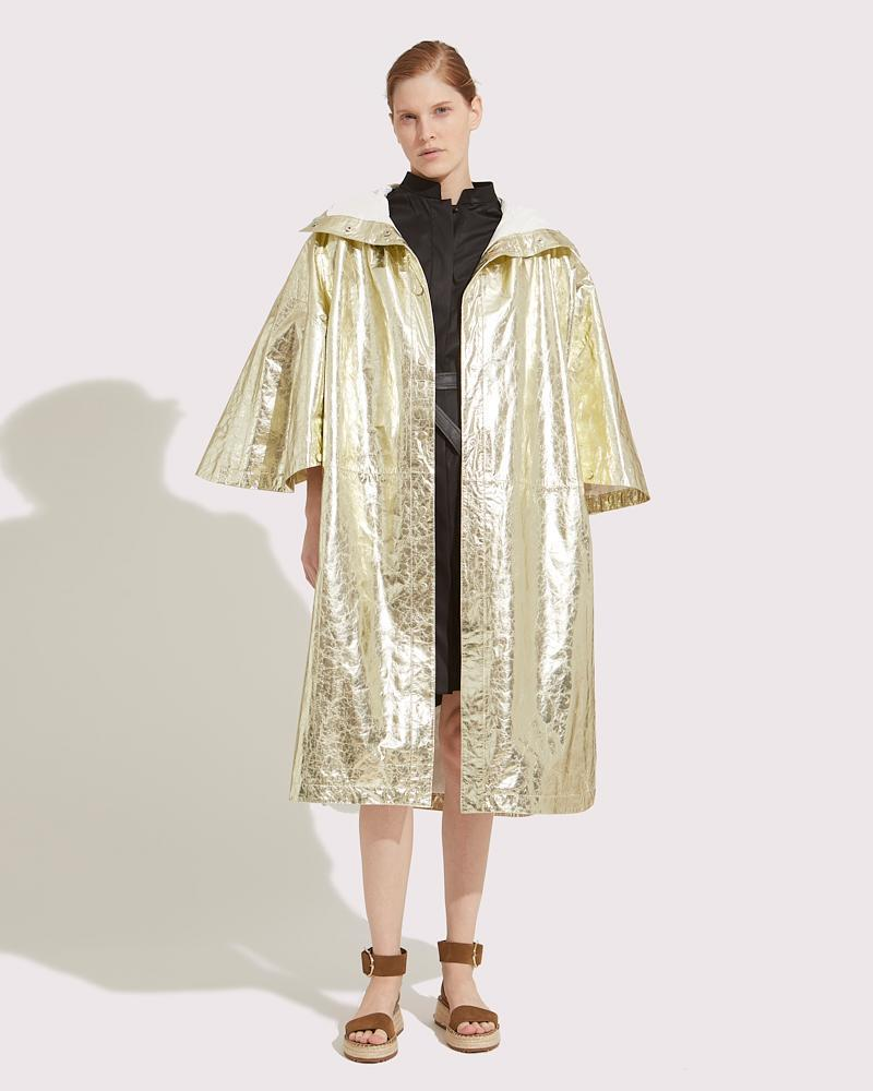 Oversized cape in paper Leather