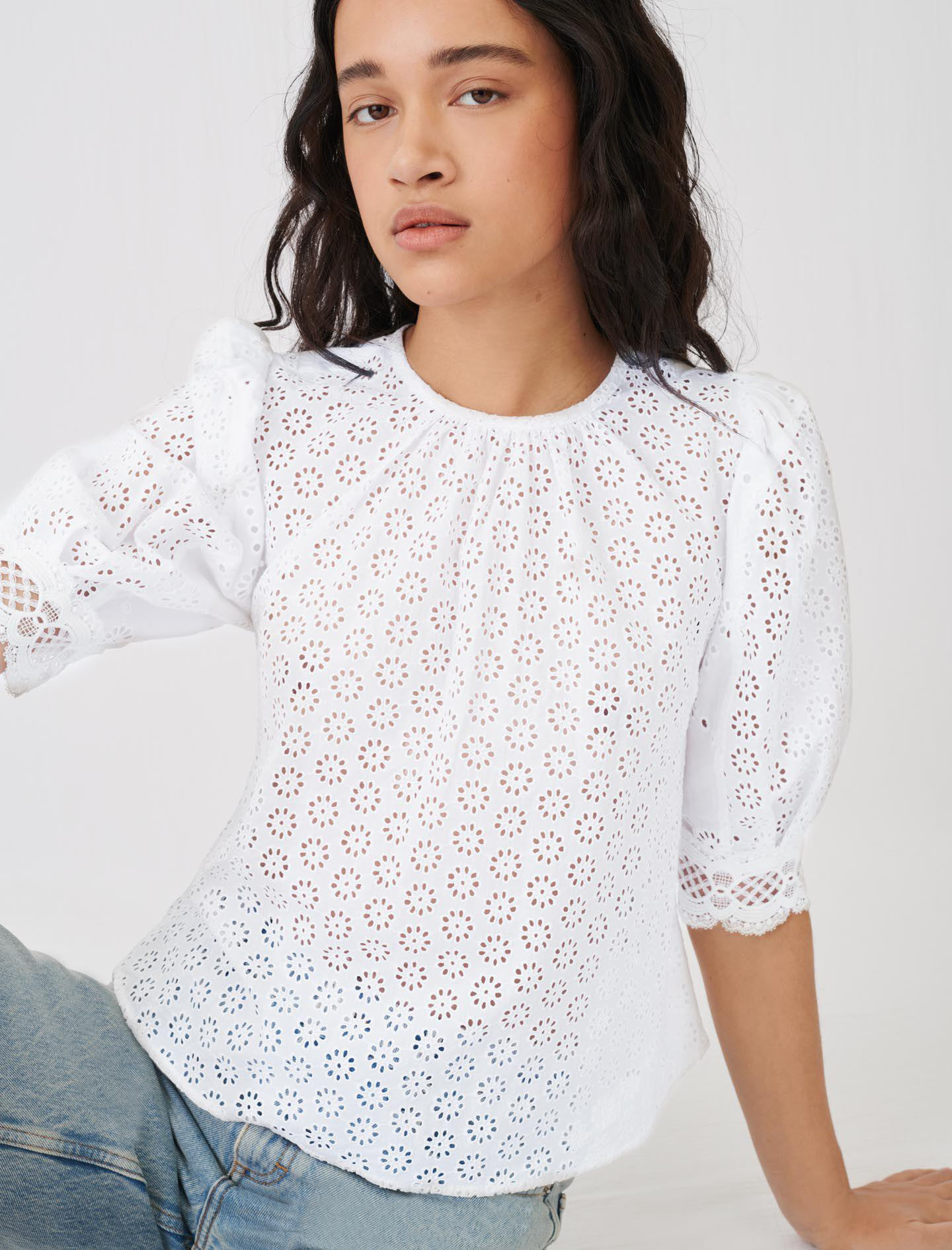 GUIPURE TOP WITH AN OPEN BACK