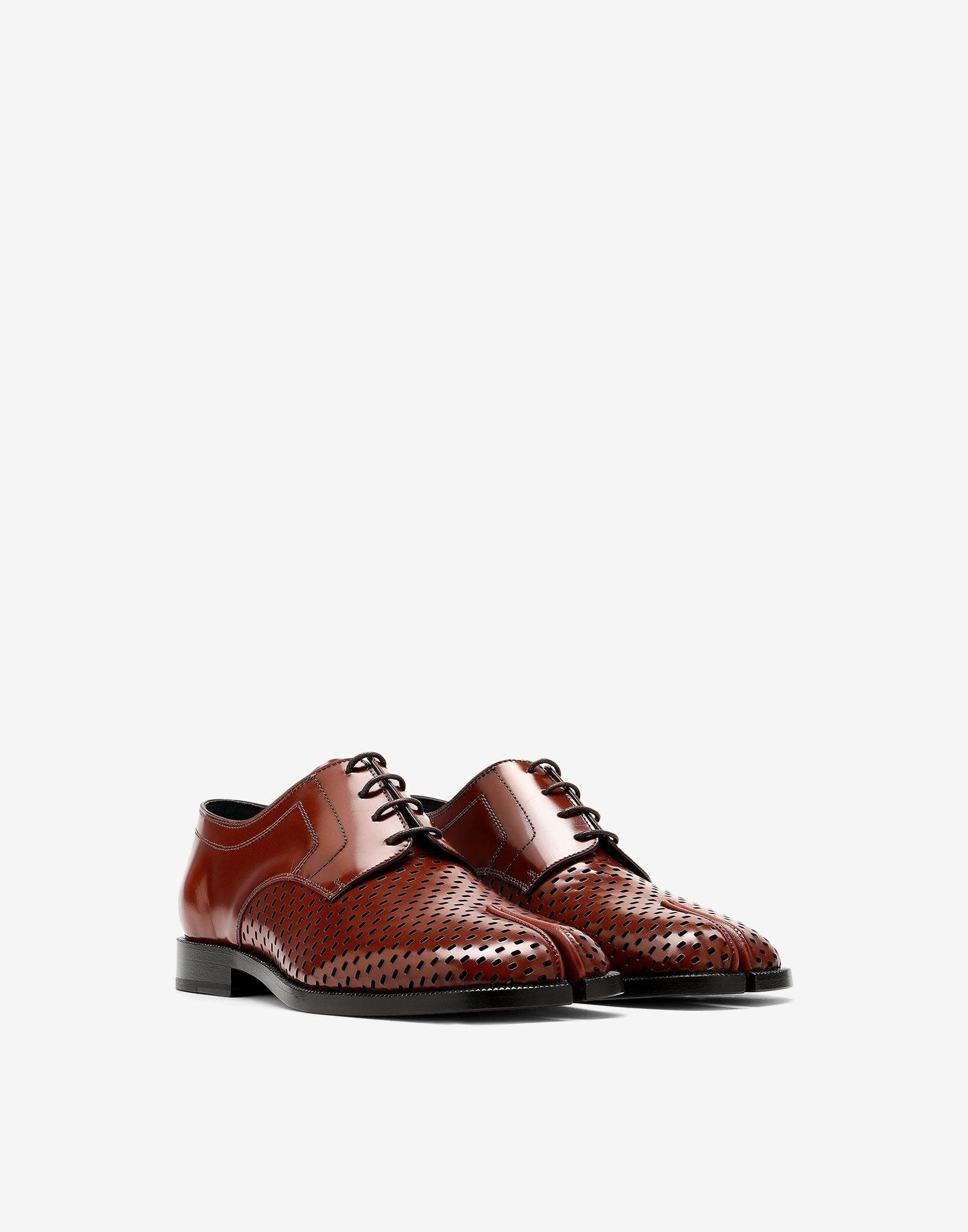 Tabi perforated lace-up shoes 1