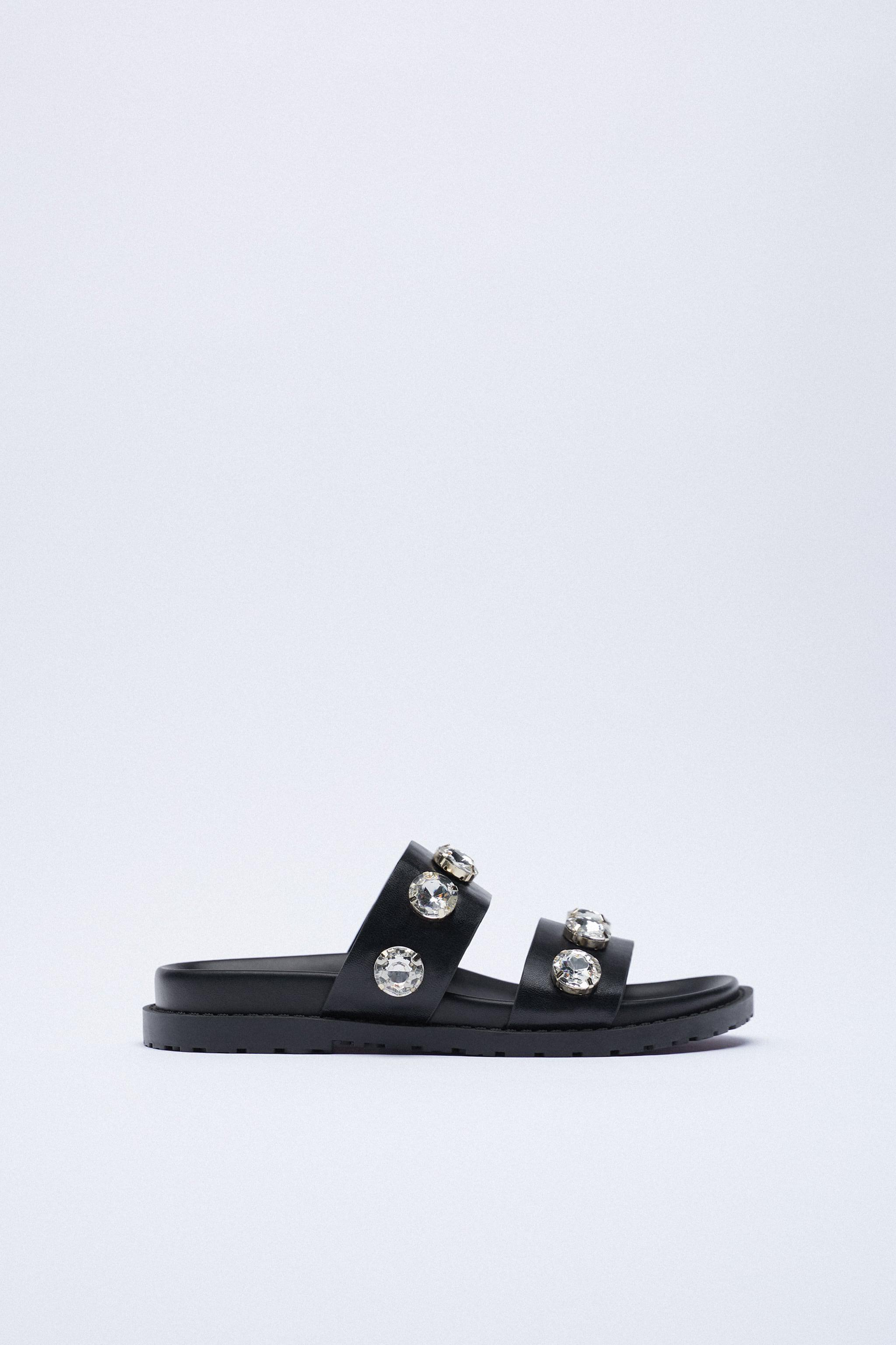 SPARKLY LOW HEELED SANDALS