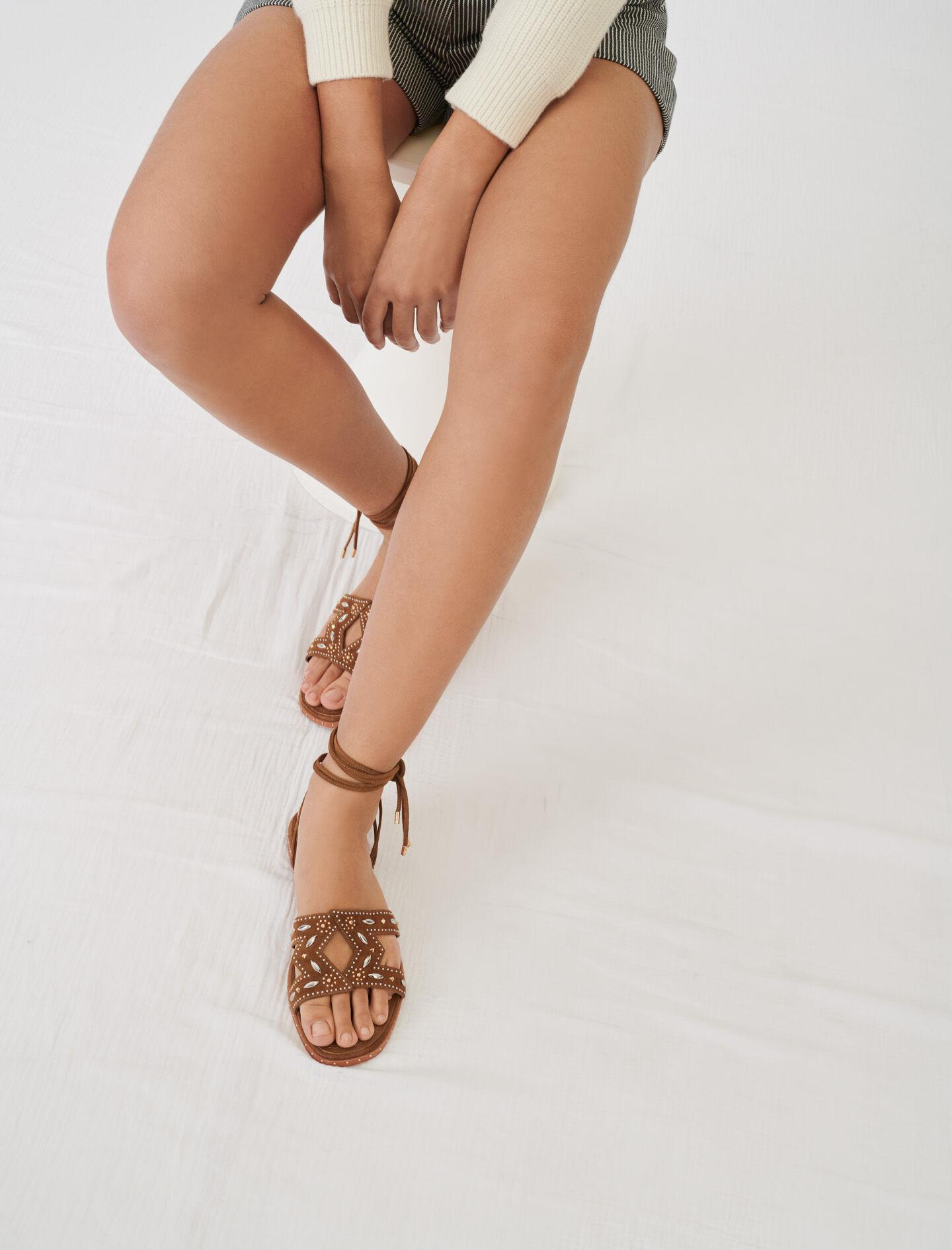 FLAT TIE SANDALS WITH STUDS 5