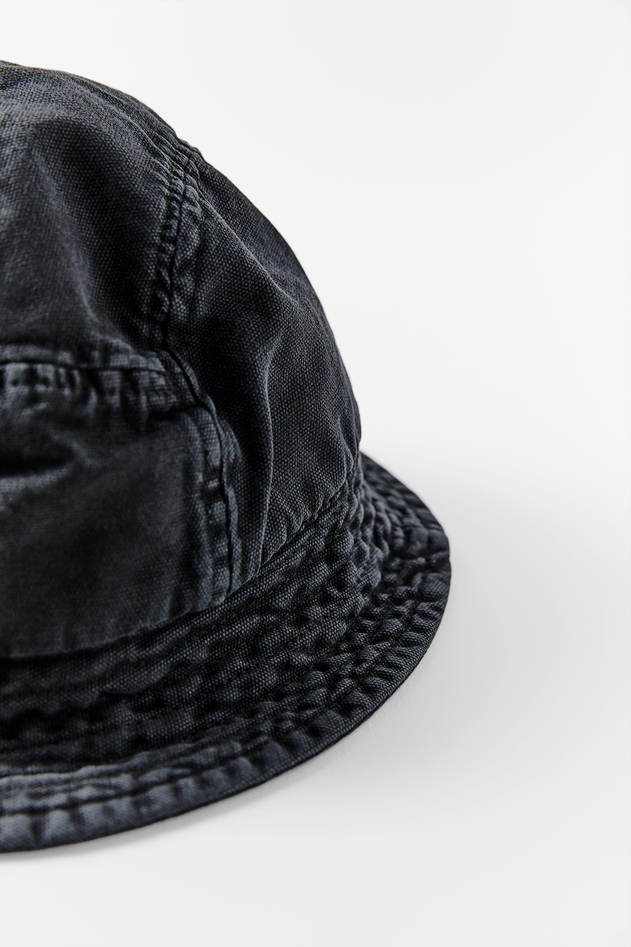BUCKET HAT WITH TOPSTITCHING 1
