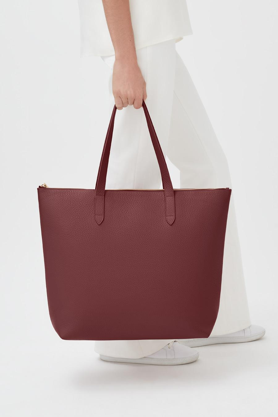 Women's Classic Leather Zipper Tote Bag in Merlot Painted | Pebbled Leather by Cuyana 3