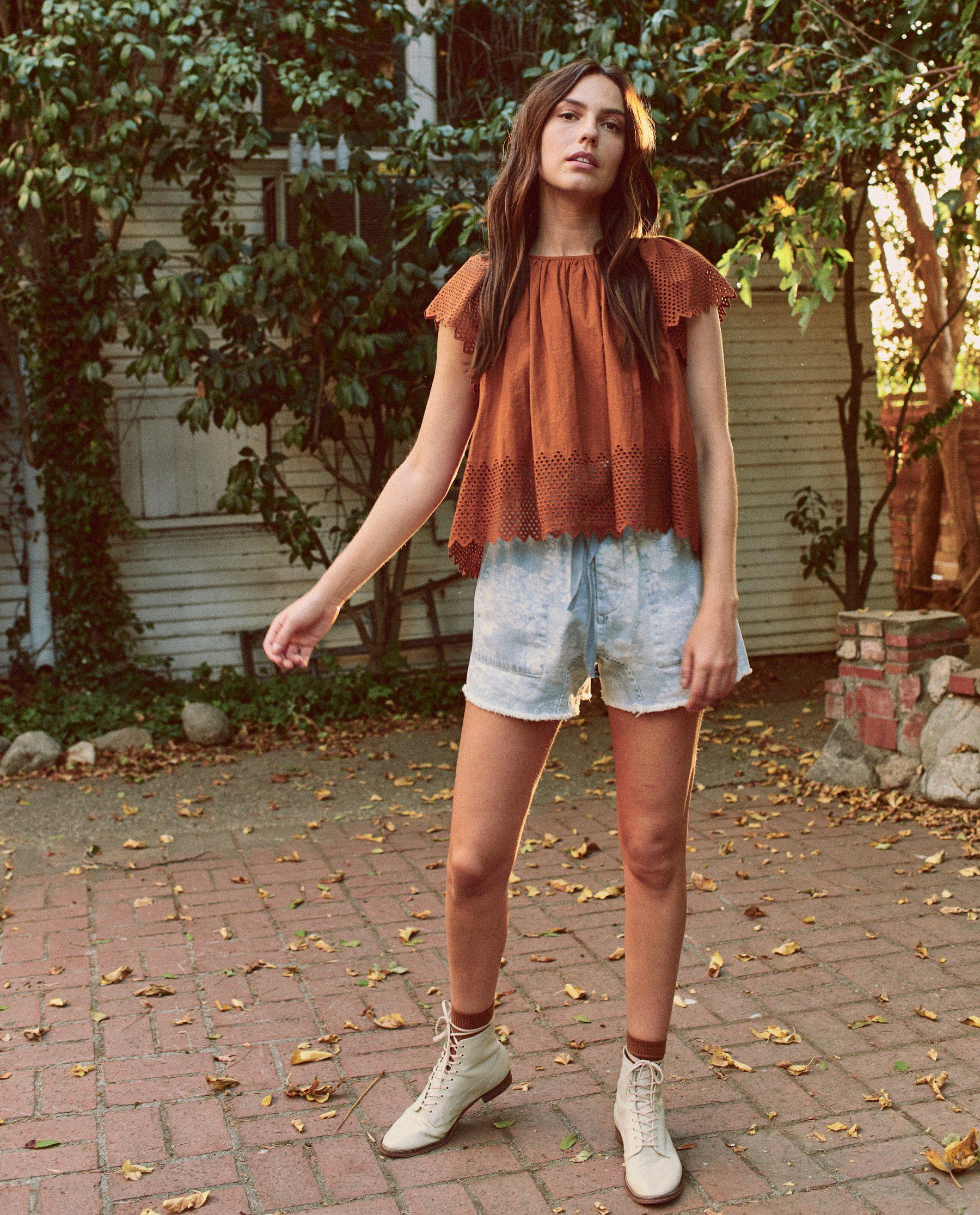 The Eyelet Dale Top. -- Rust