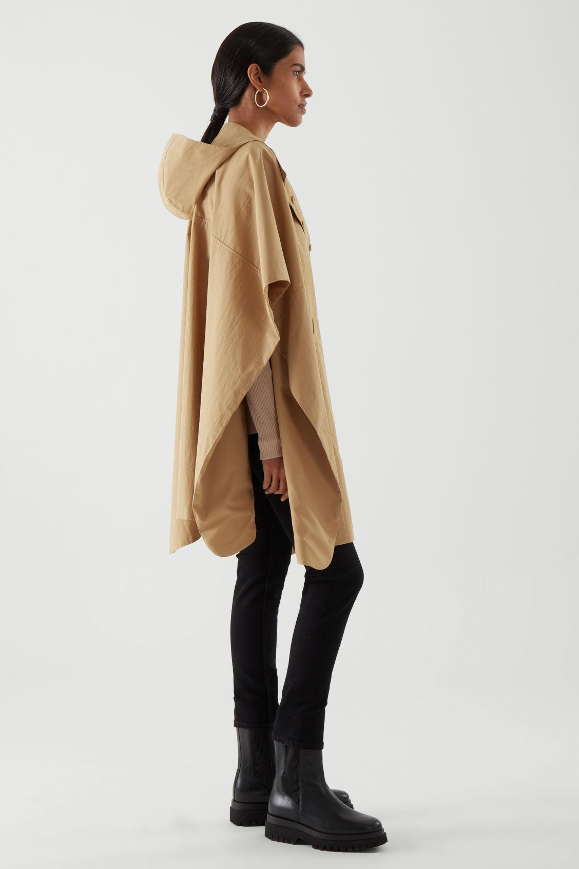 HOODED CAPE 3