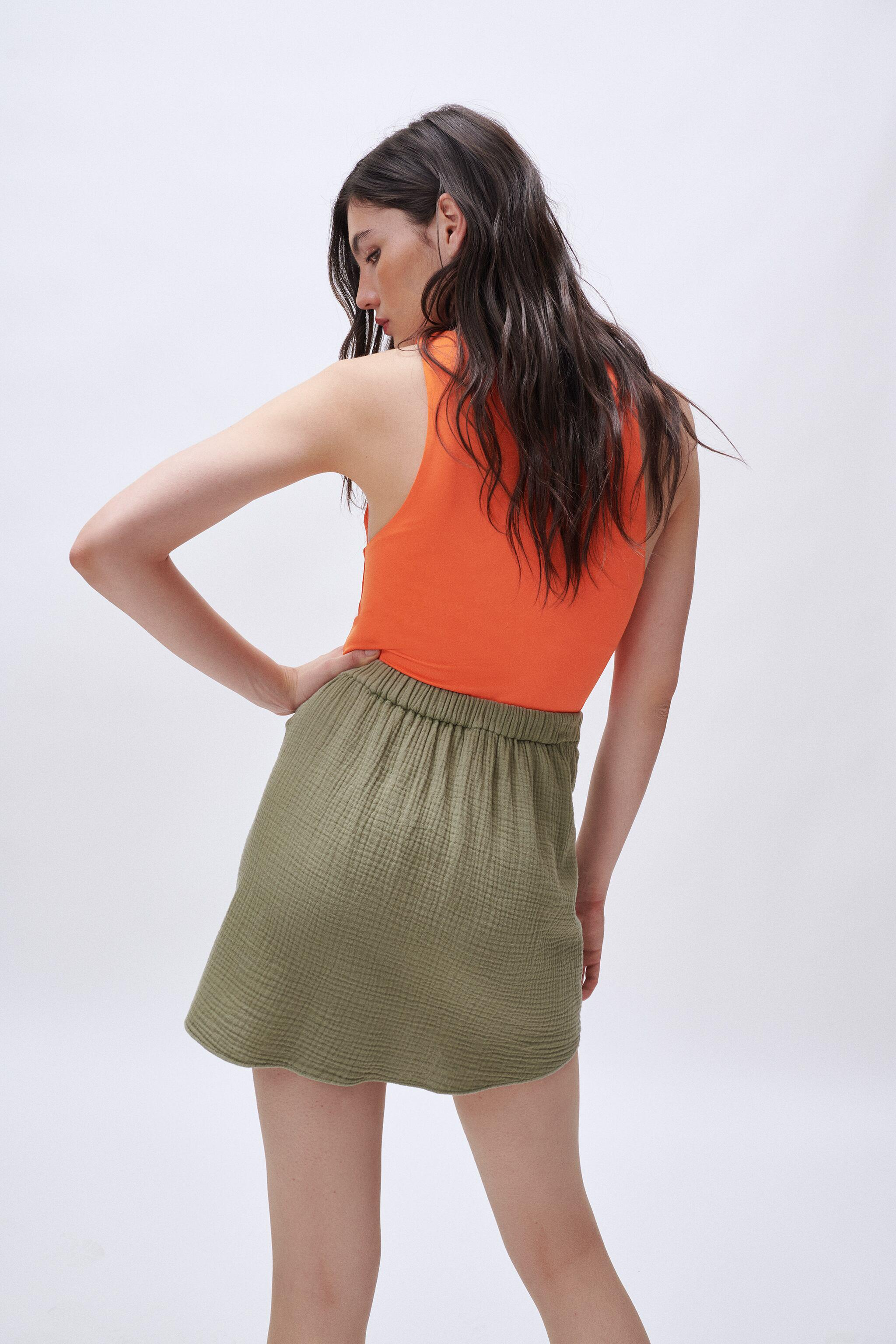 SOFT KNOTTED SKIRT 3