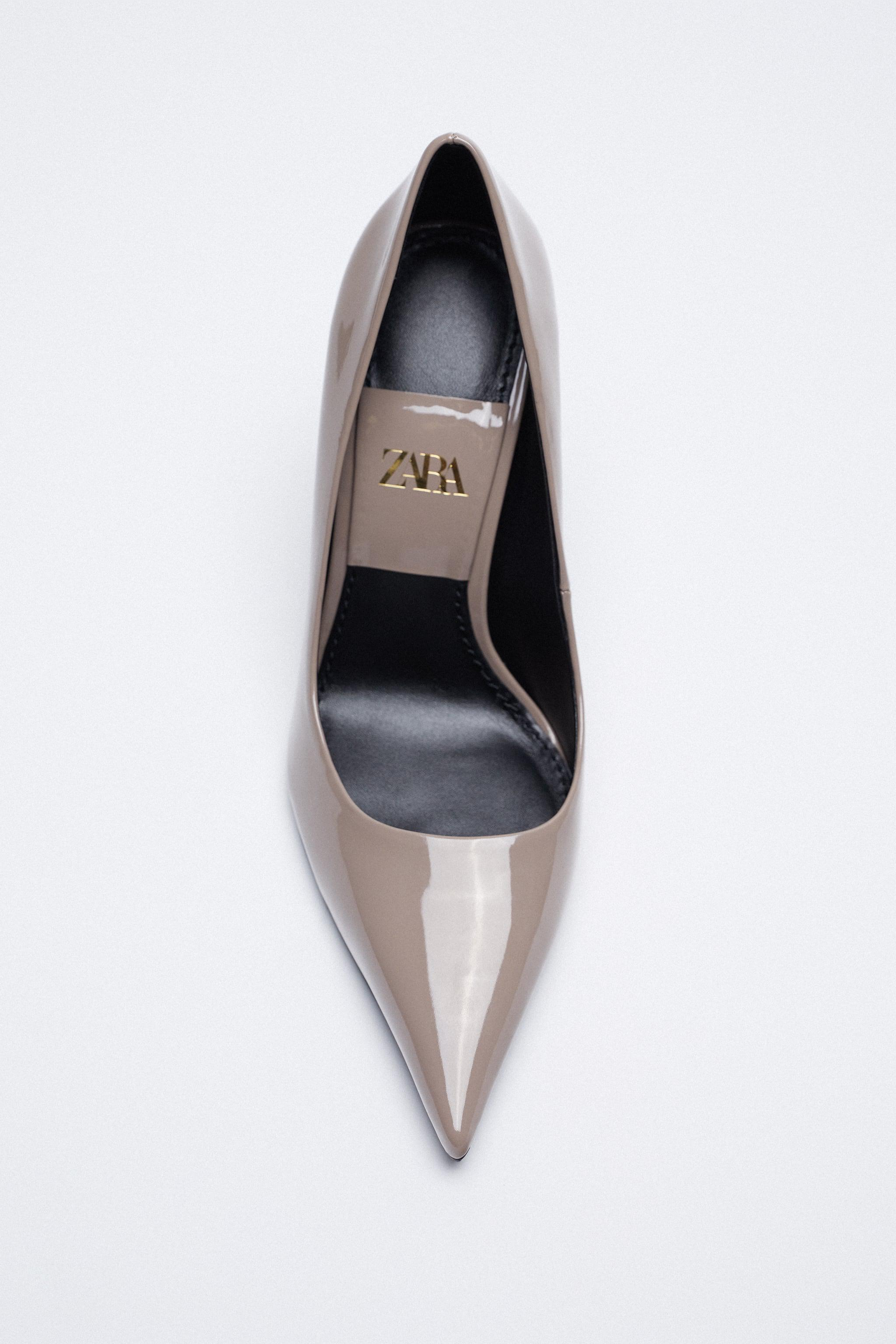 PATENT FINISH POINTED TOE HEELS 5