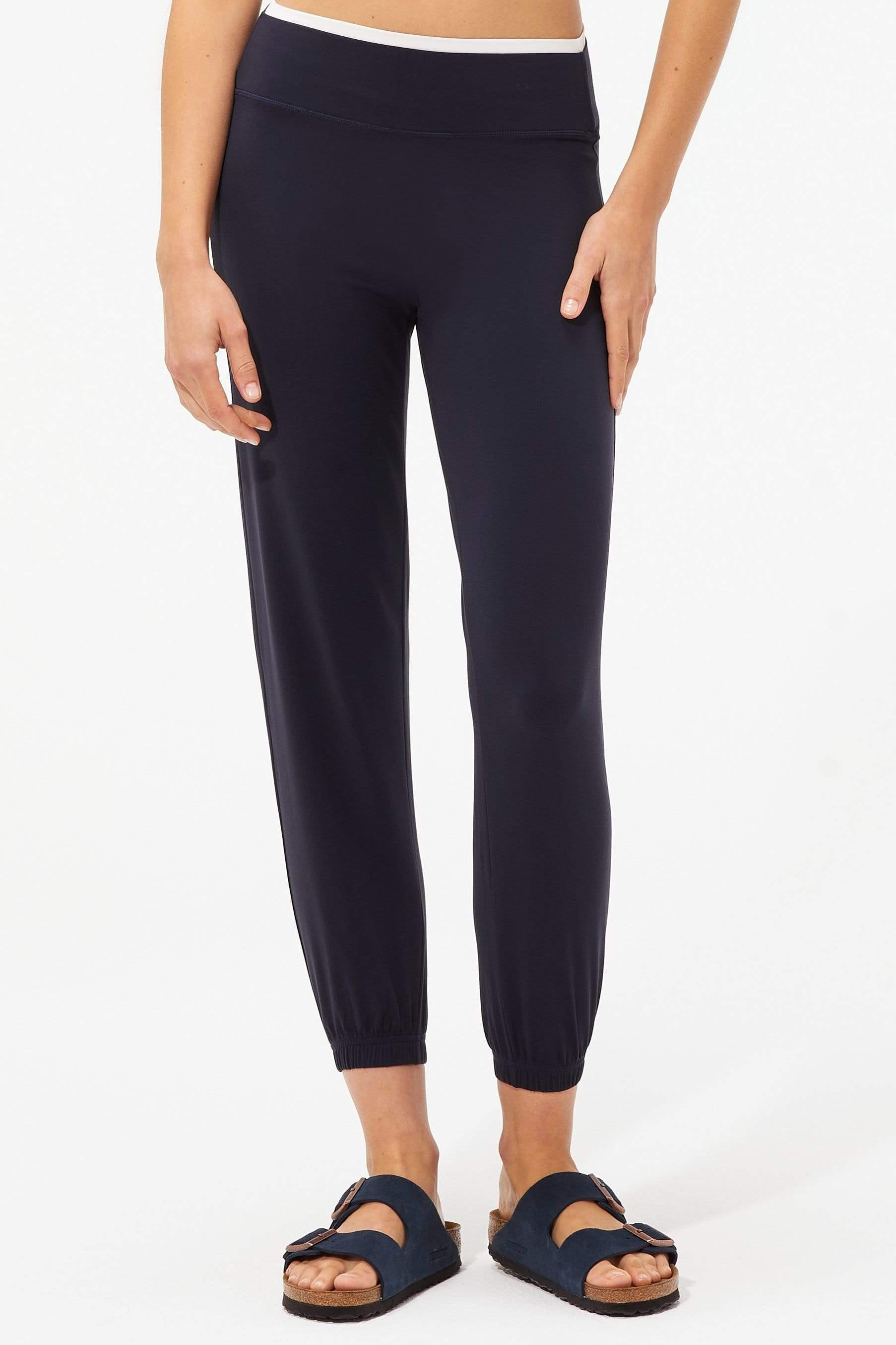 Lucie Low Rise Airweight Jogger Crop - Indigo/Off White