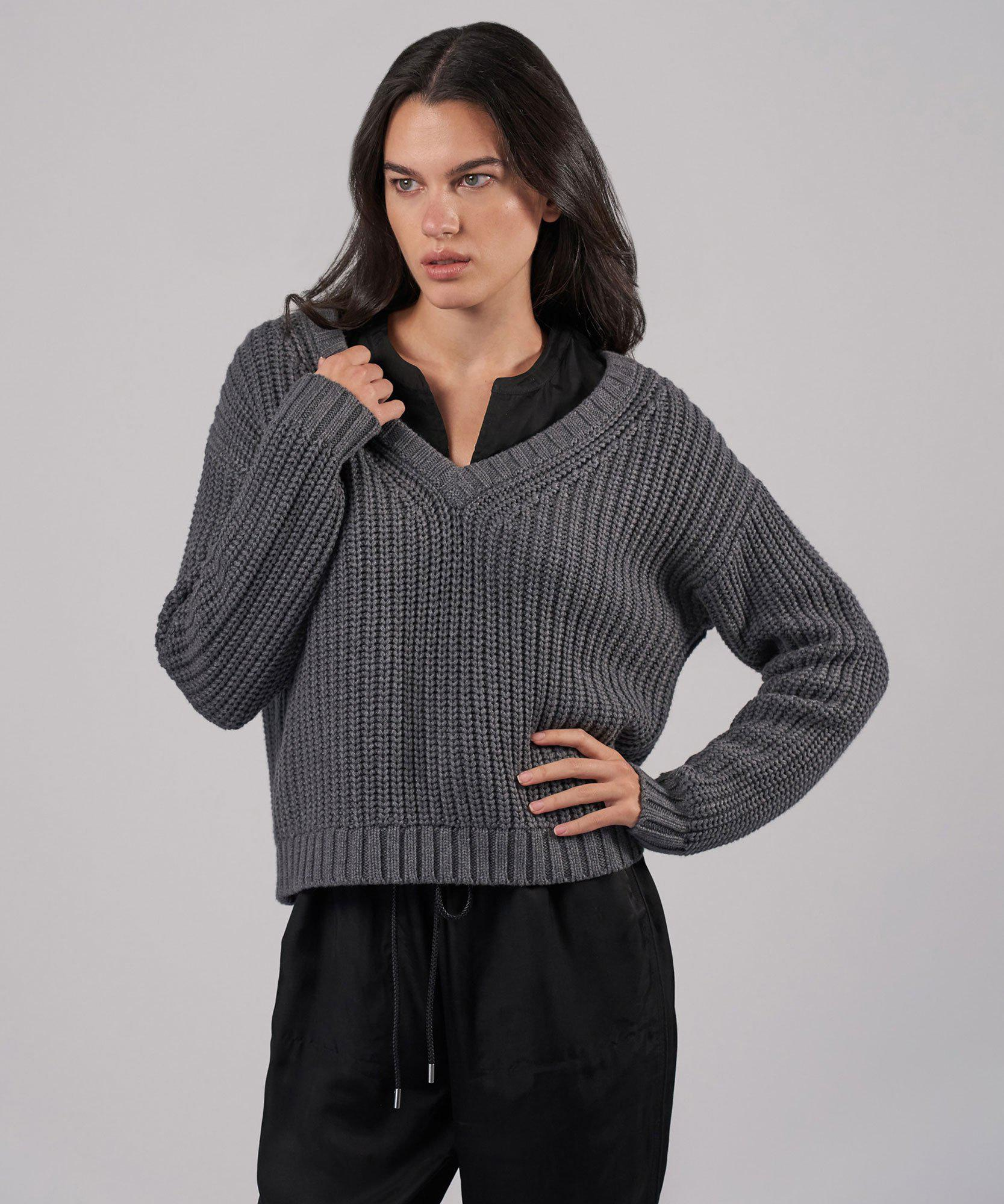 Cotton Cashmere Chunky V-Neck Pullover - Heather Charcoal