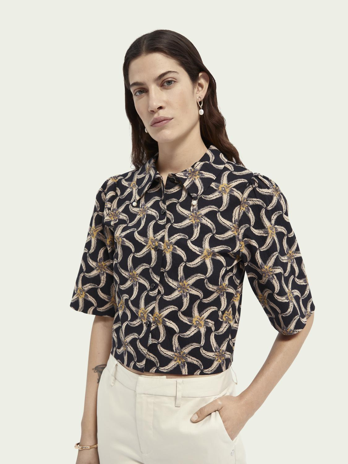 Printed puffy sleeved cropped shirt