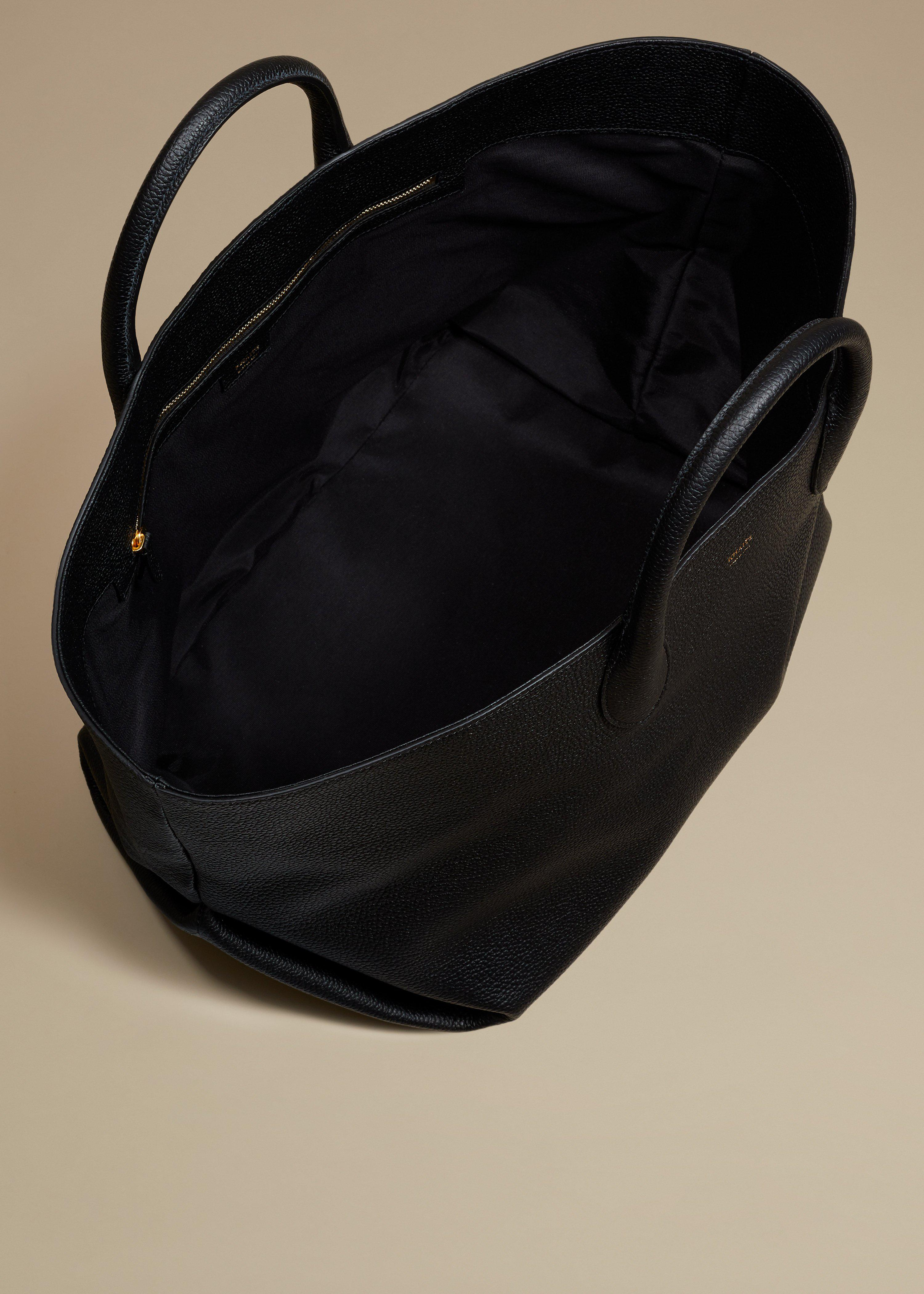 The Medium Amelia Tote in Black Grained Leather 3