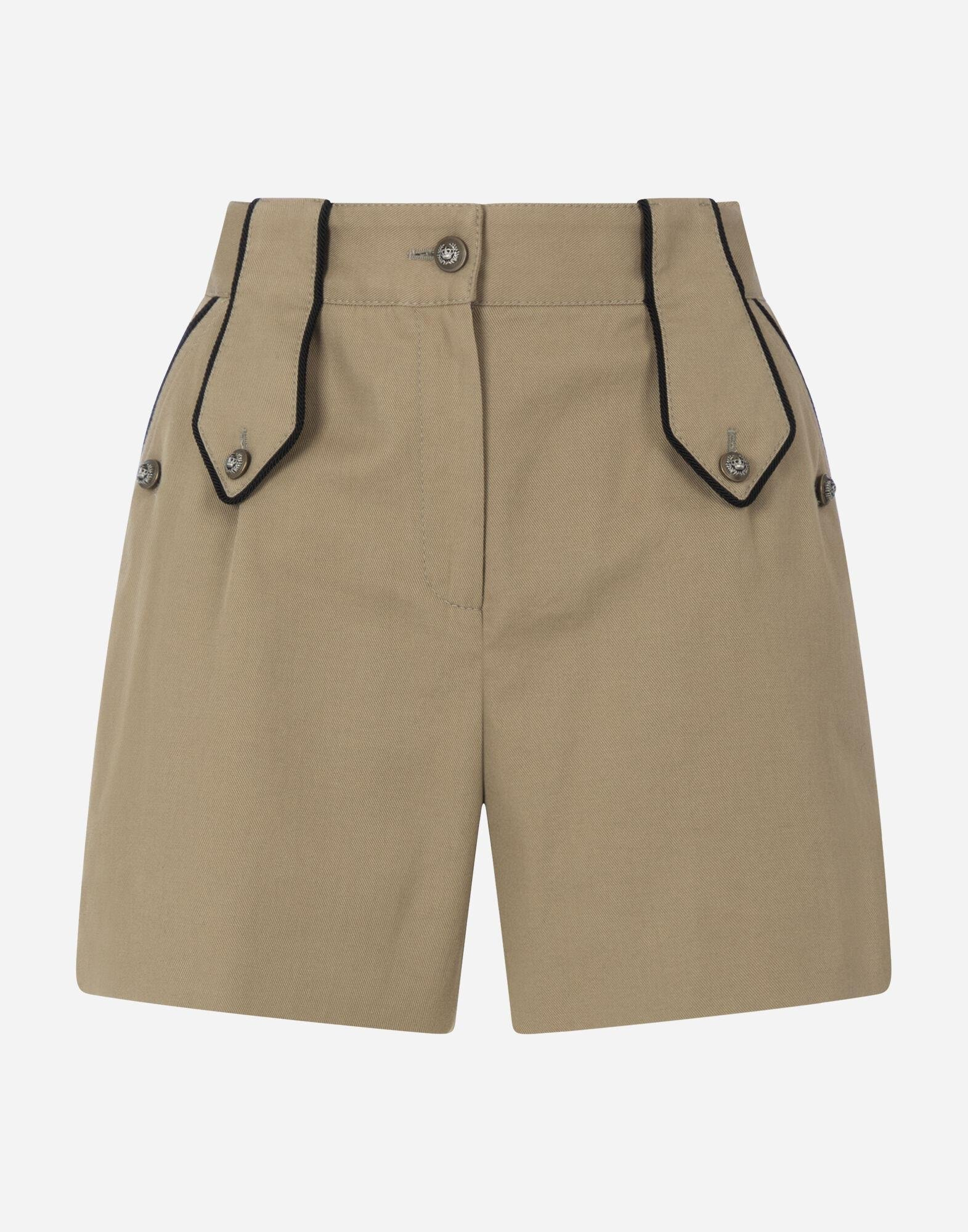 Drill shorts with military details 4
