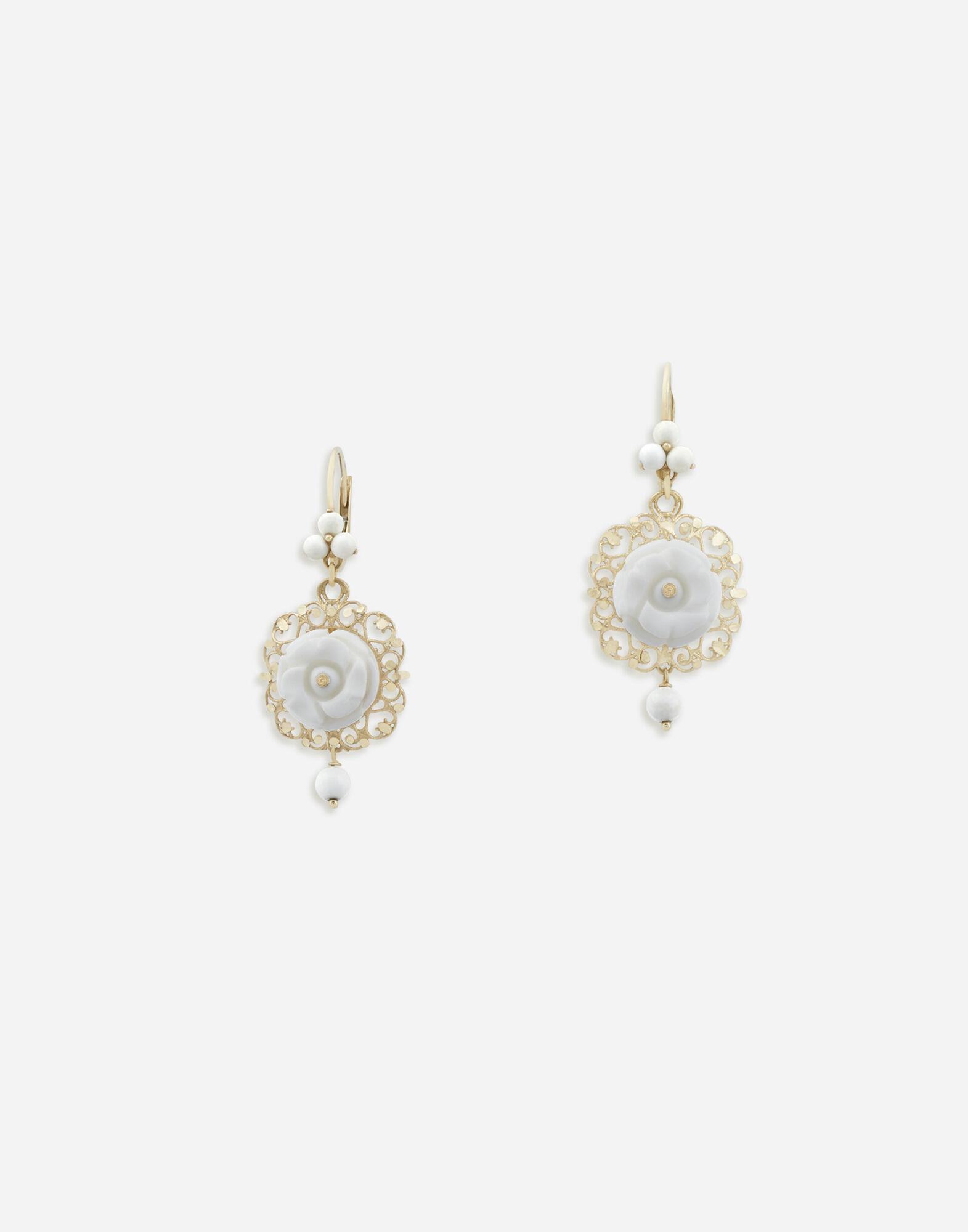 Mamma earrings in yellow gold white opals