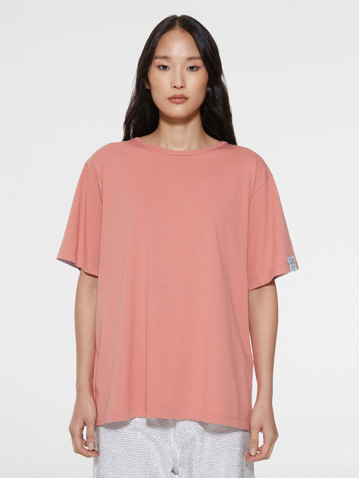 Pink Aira T-shirt with print and lettering on the back