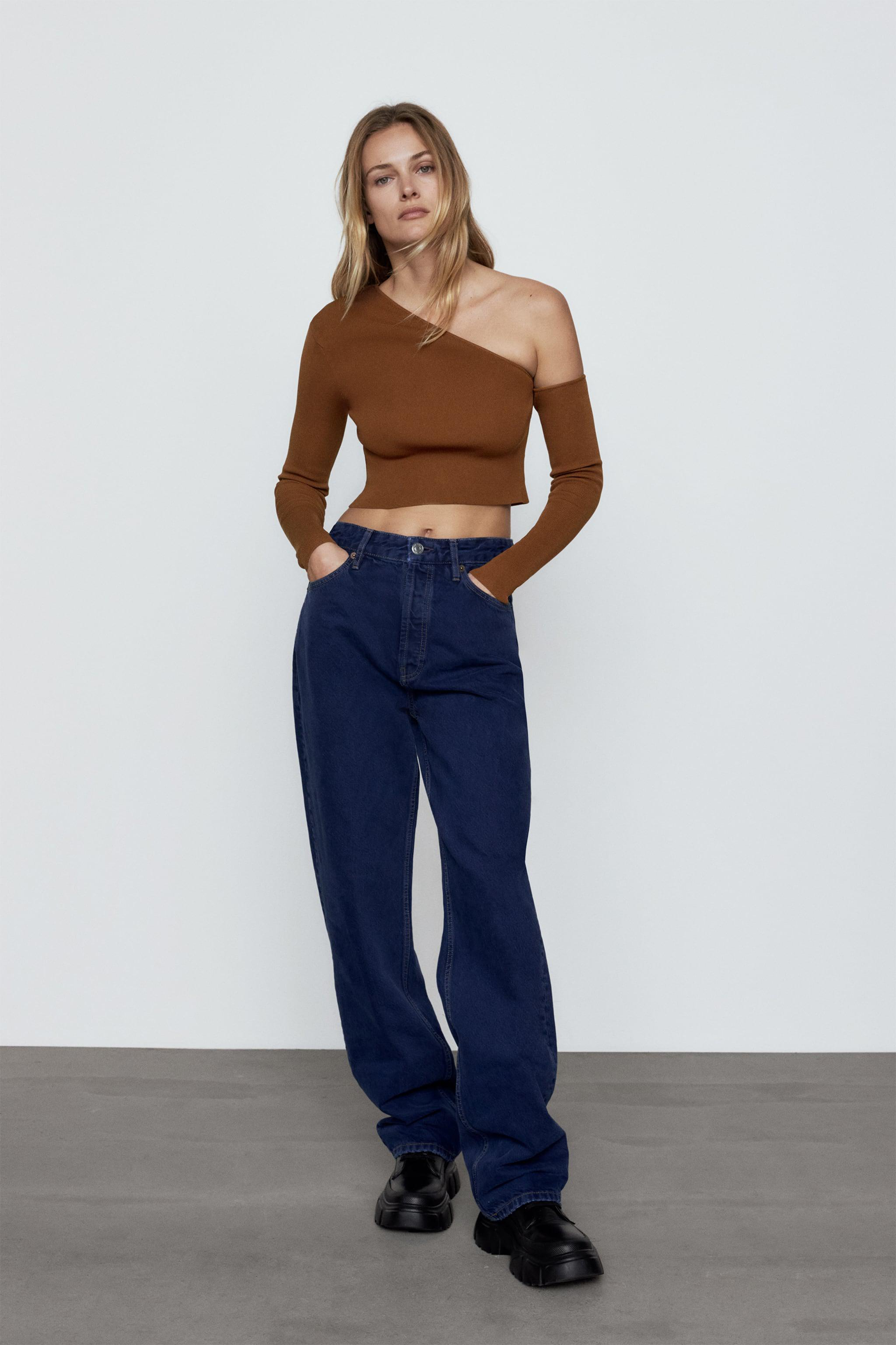 CUT OUT KNIT TOP