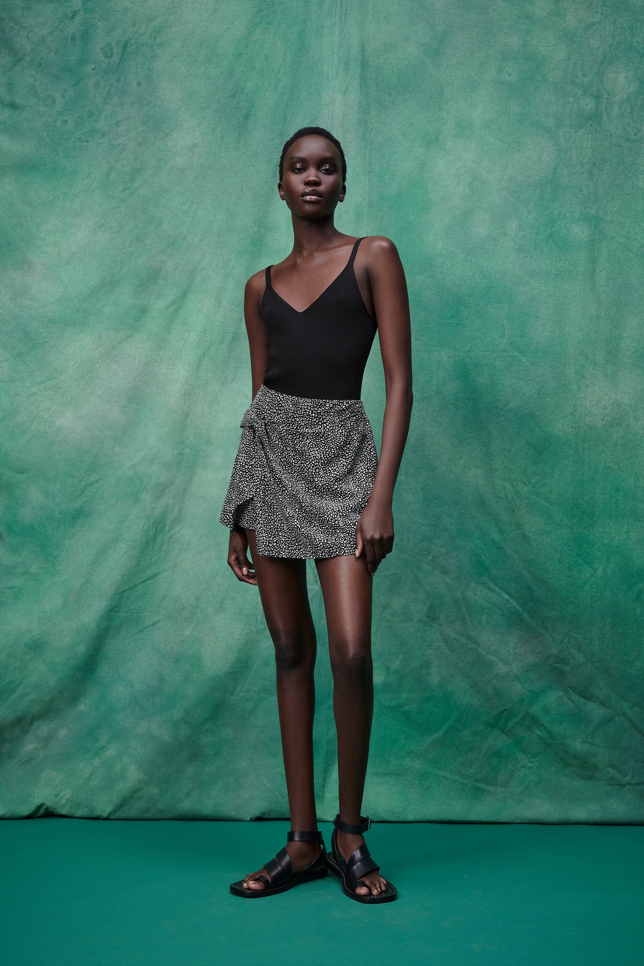 PRINTED SKORT WITH KNOT