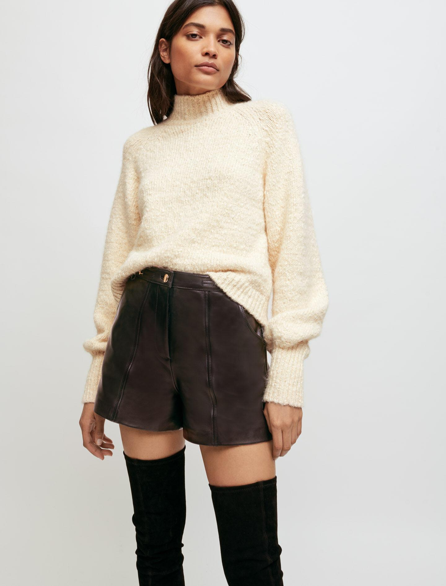 DECORATIVE KNIT PULLOVER WITH COLLAR